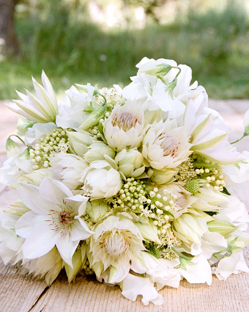 rw_0610_kristina_jesse_bouquet1.jpg