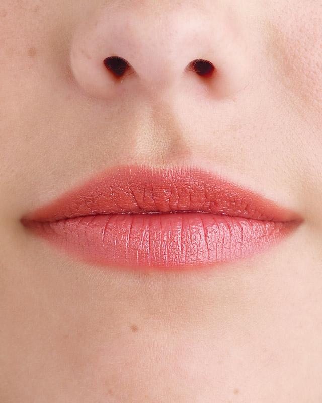 mwd104252_win09_lips01_003.jpg