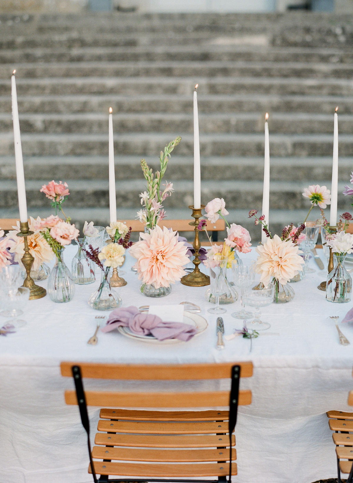 elegant and affordable wedding flower ideas we love | martha