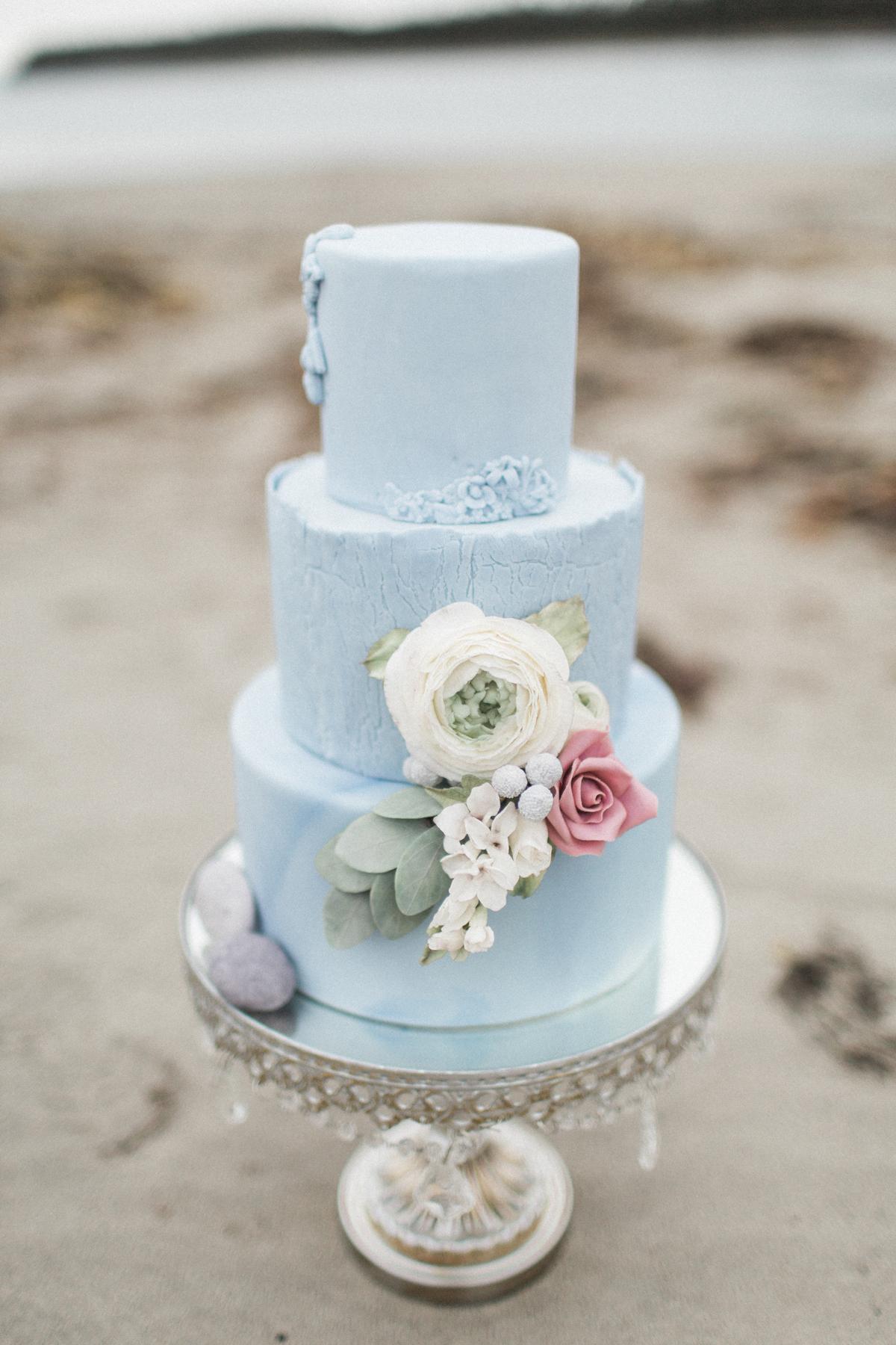 beach wedding cakes madison rose photography