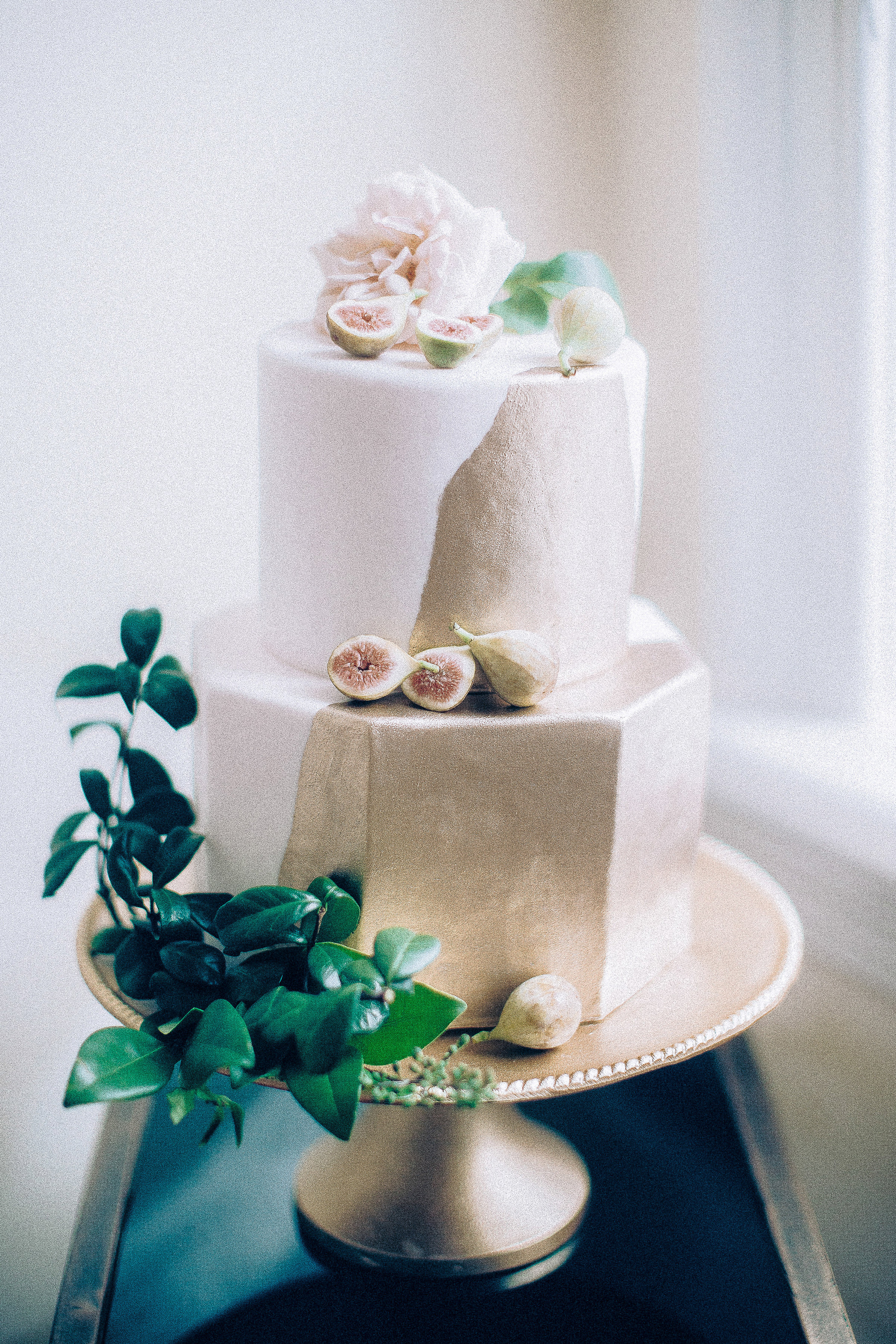 gold octagon cake