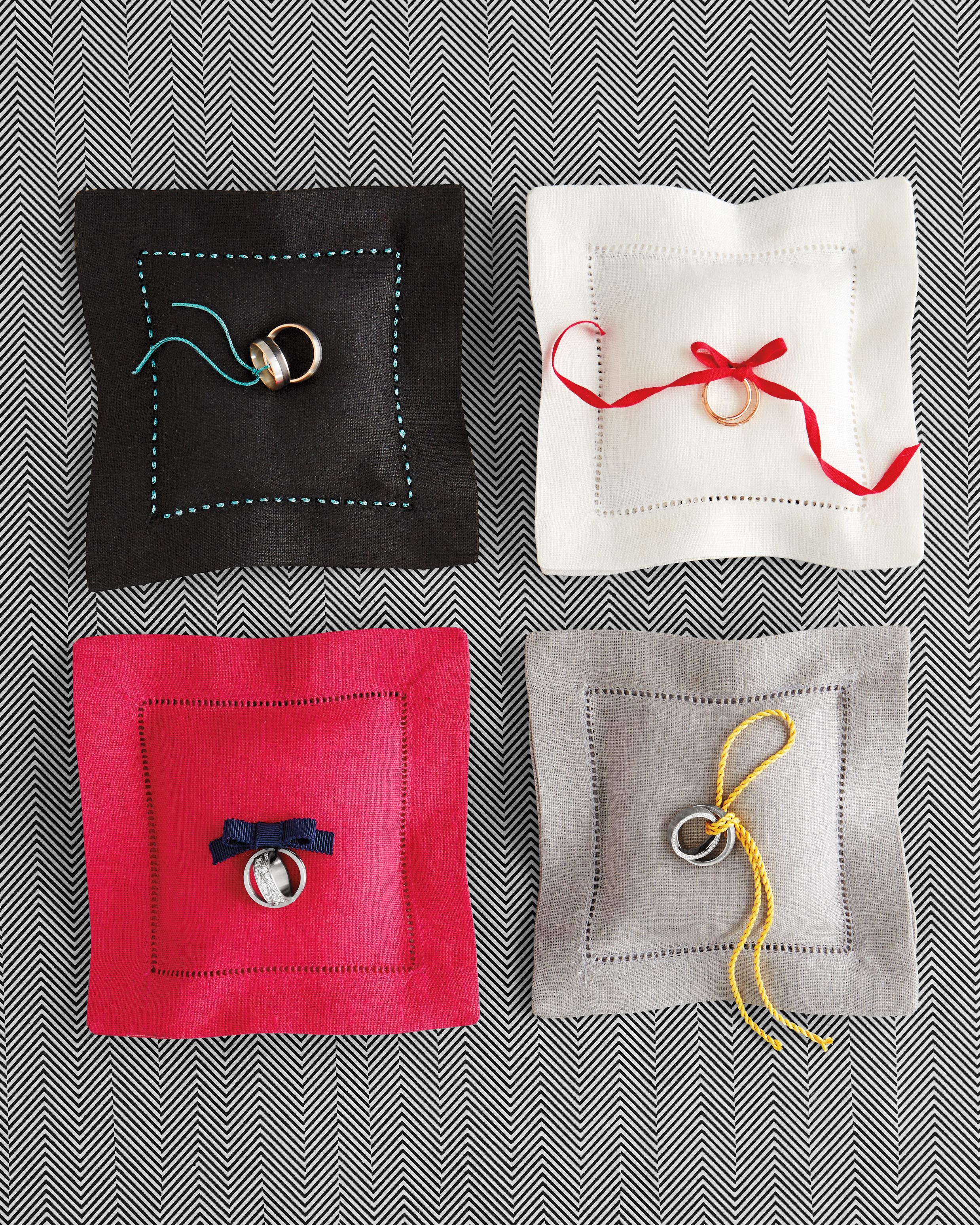 ring-pillows-229-d111649.jpg