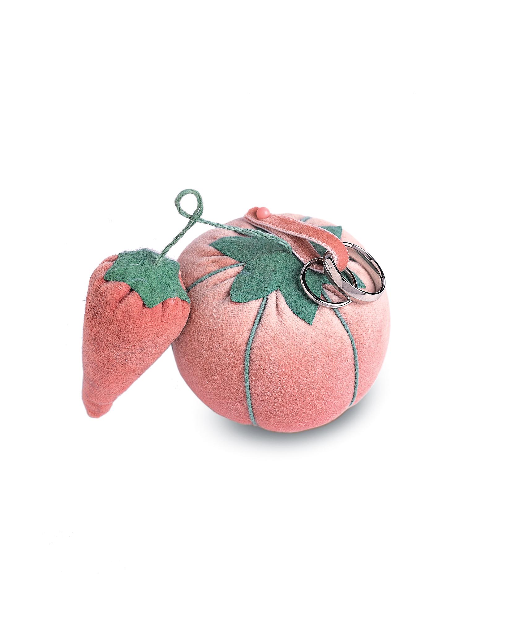 diy-ring-pillows-mw810a07-pincushion-0515.jpg