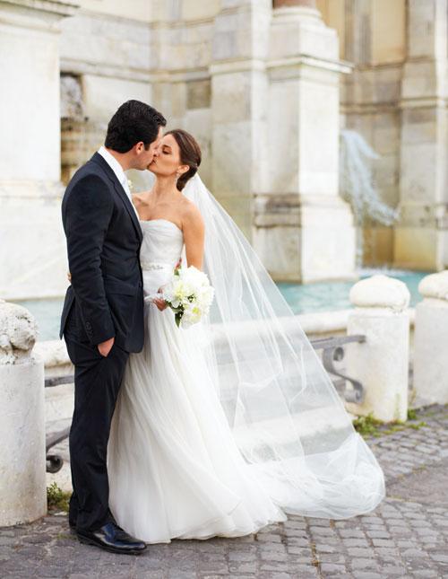 A Romantic Outdoor Destination Wedding in Rome, Italy