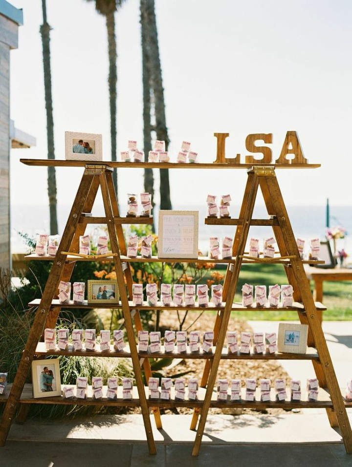favor display with framed photos