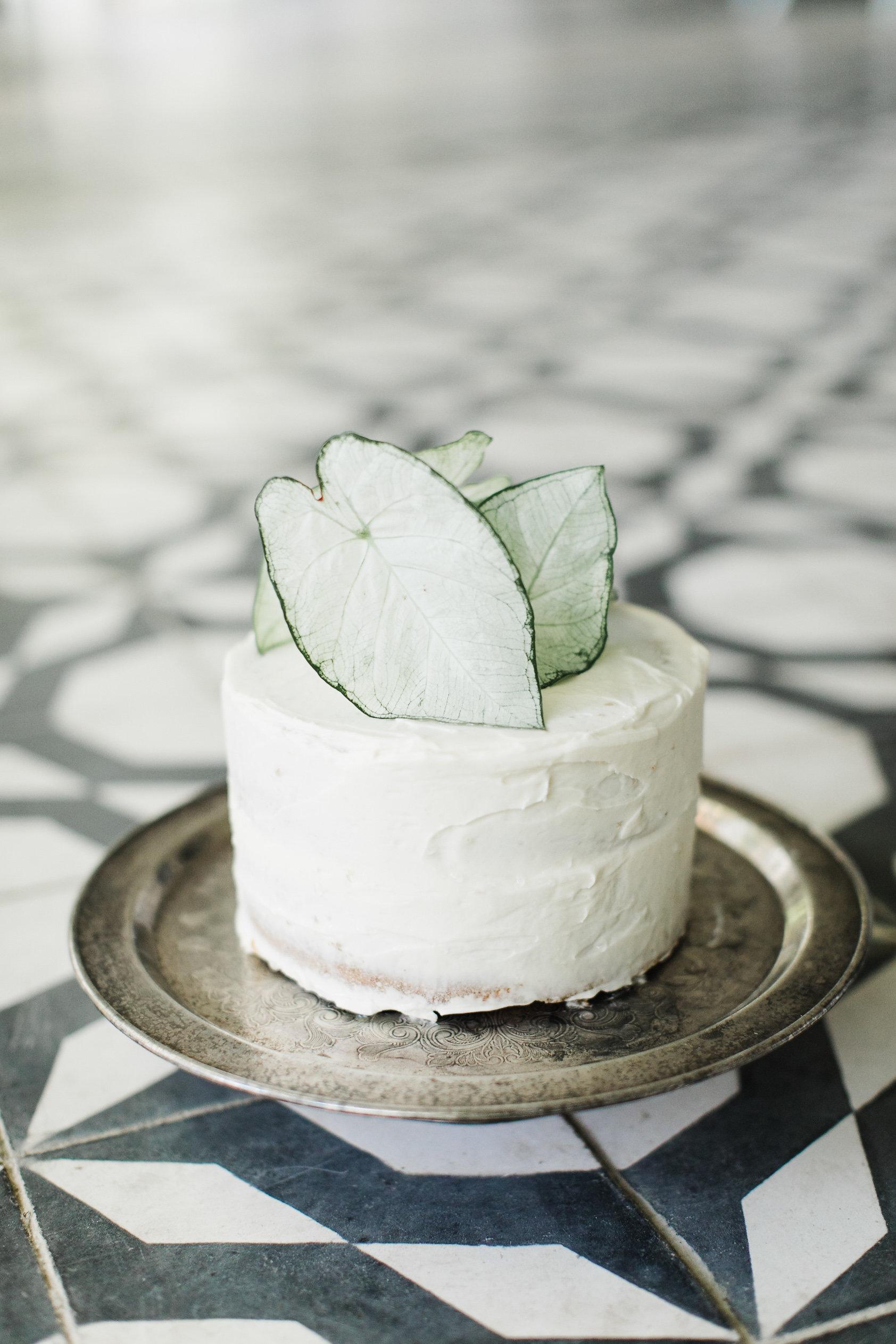 vanilla wedding cakes ashley caroline