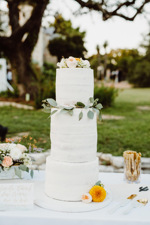 vanilla wedding cakes lisa woods