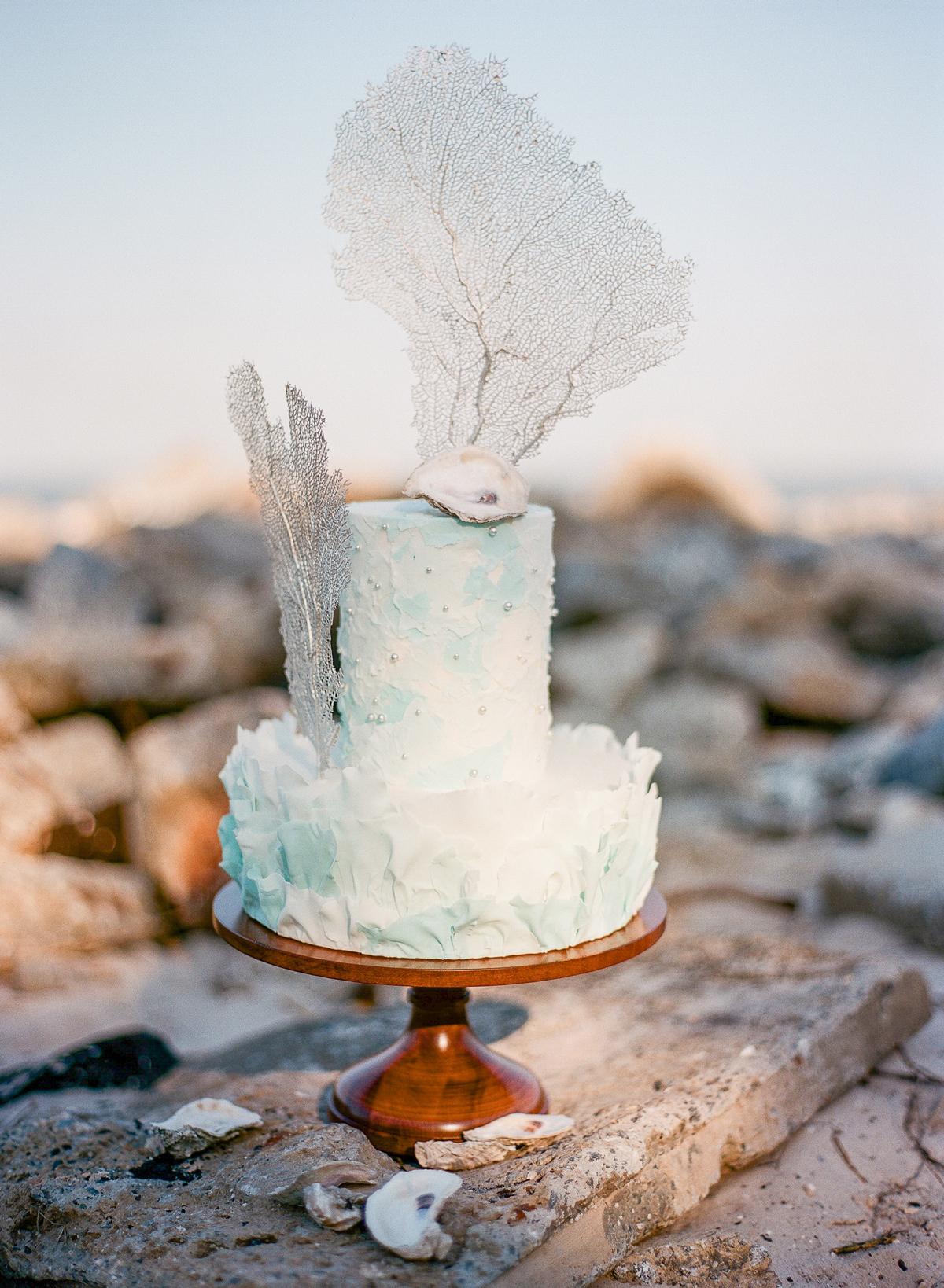 beach wedding ideas coral reef wedding cake