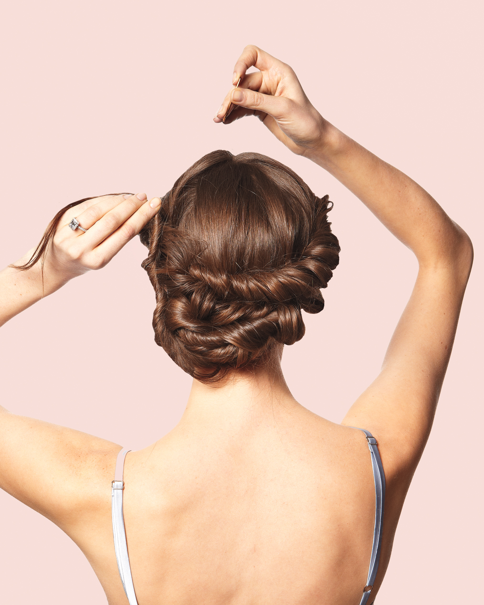 10 Tips To Hiring a Wedding Hairstylist