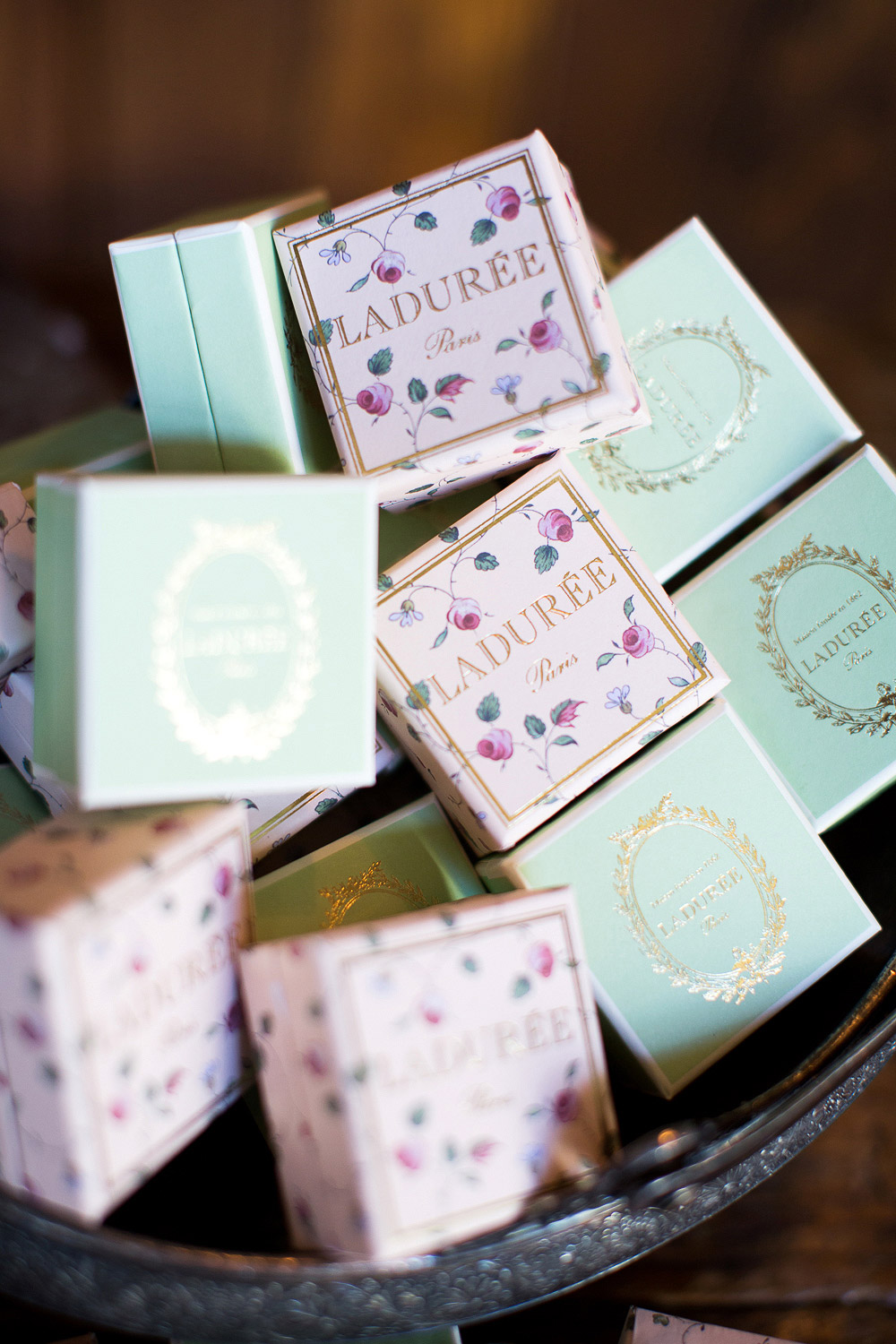 macaroon boxes wedding favors