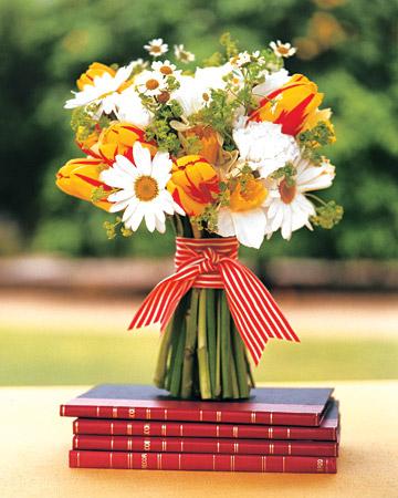 mwa102306_fal06_bk_bouquets.jpg