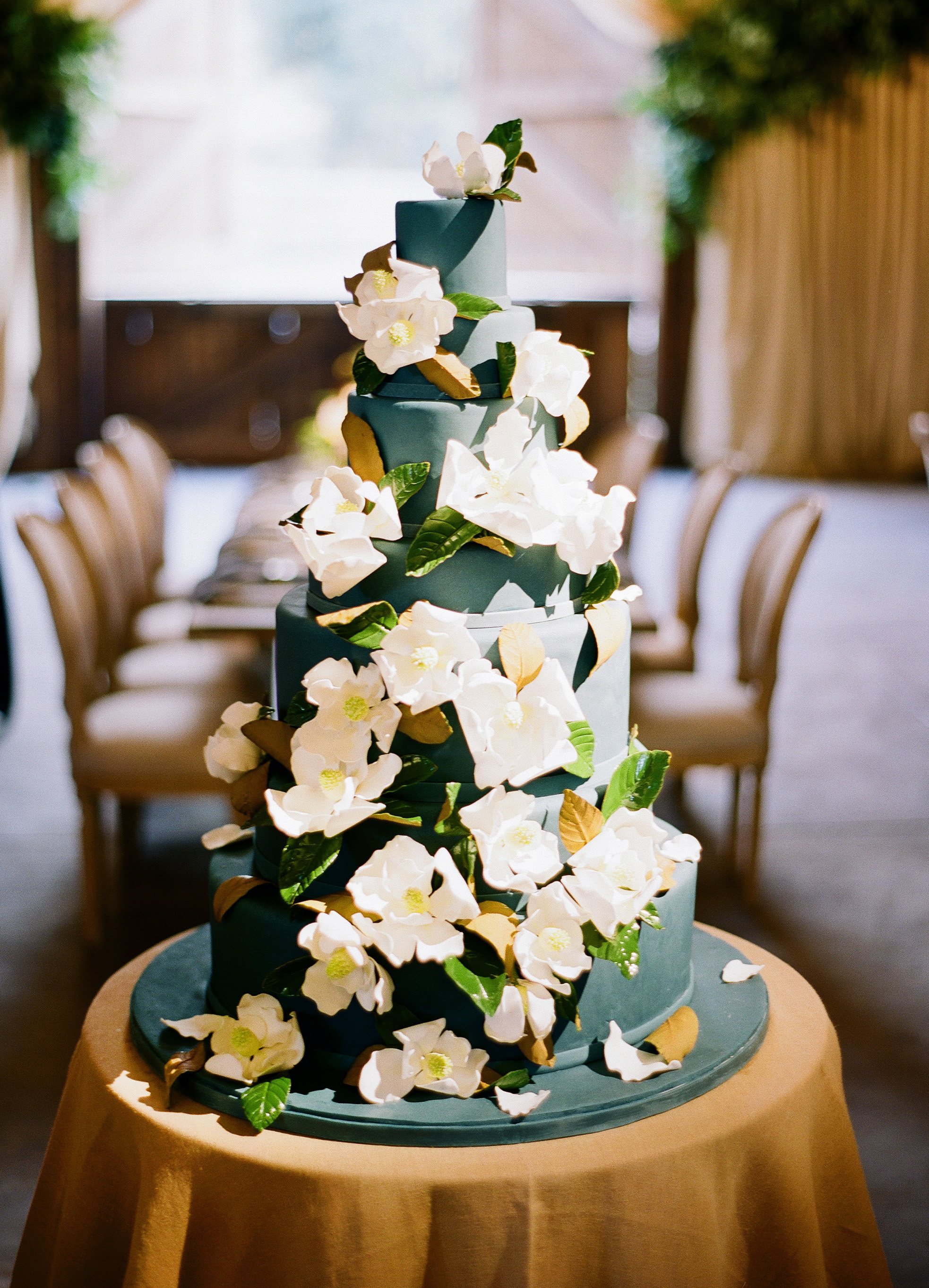 dark-green wedding cake