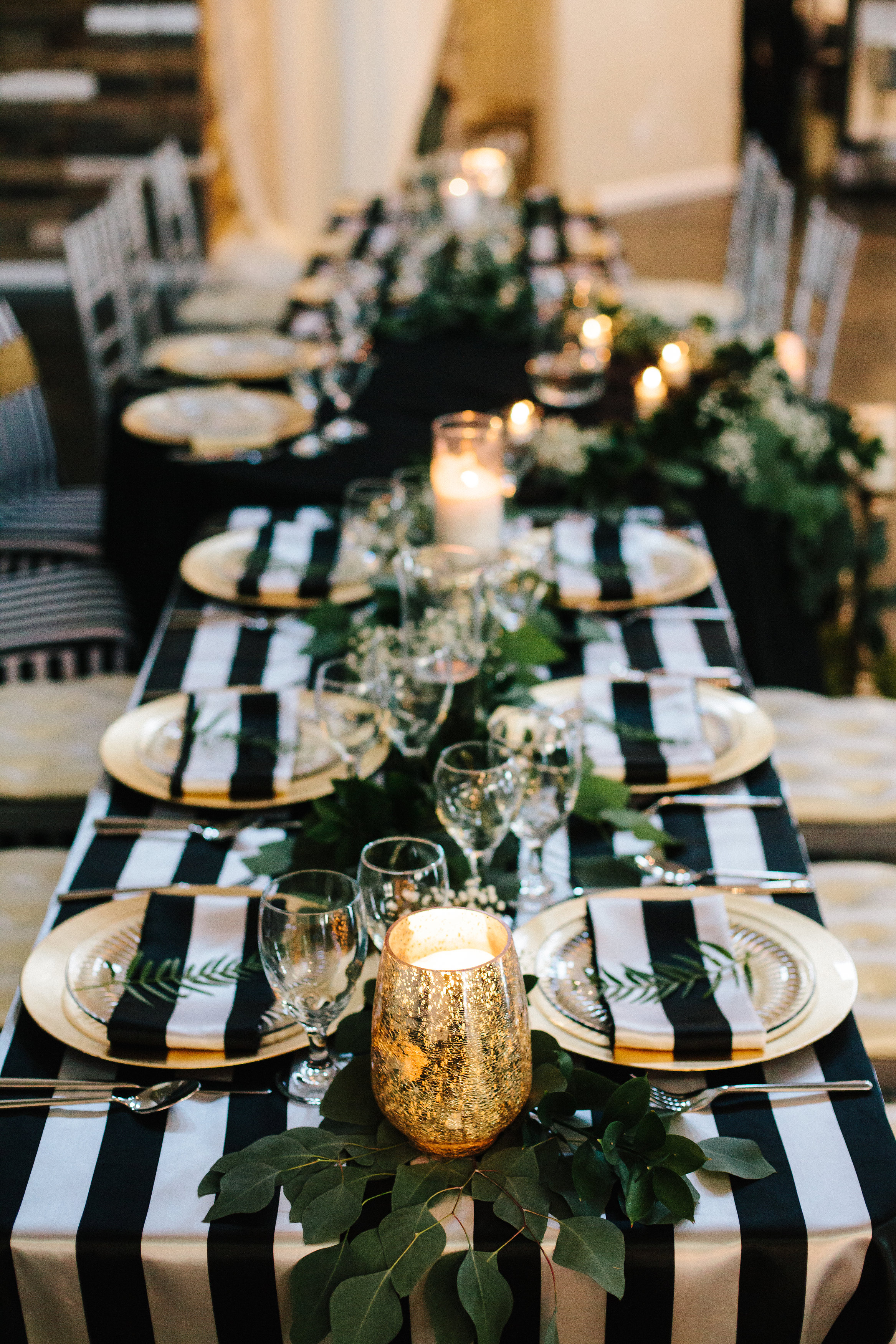 black and white wedding table setting