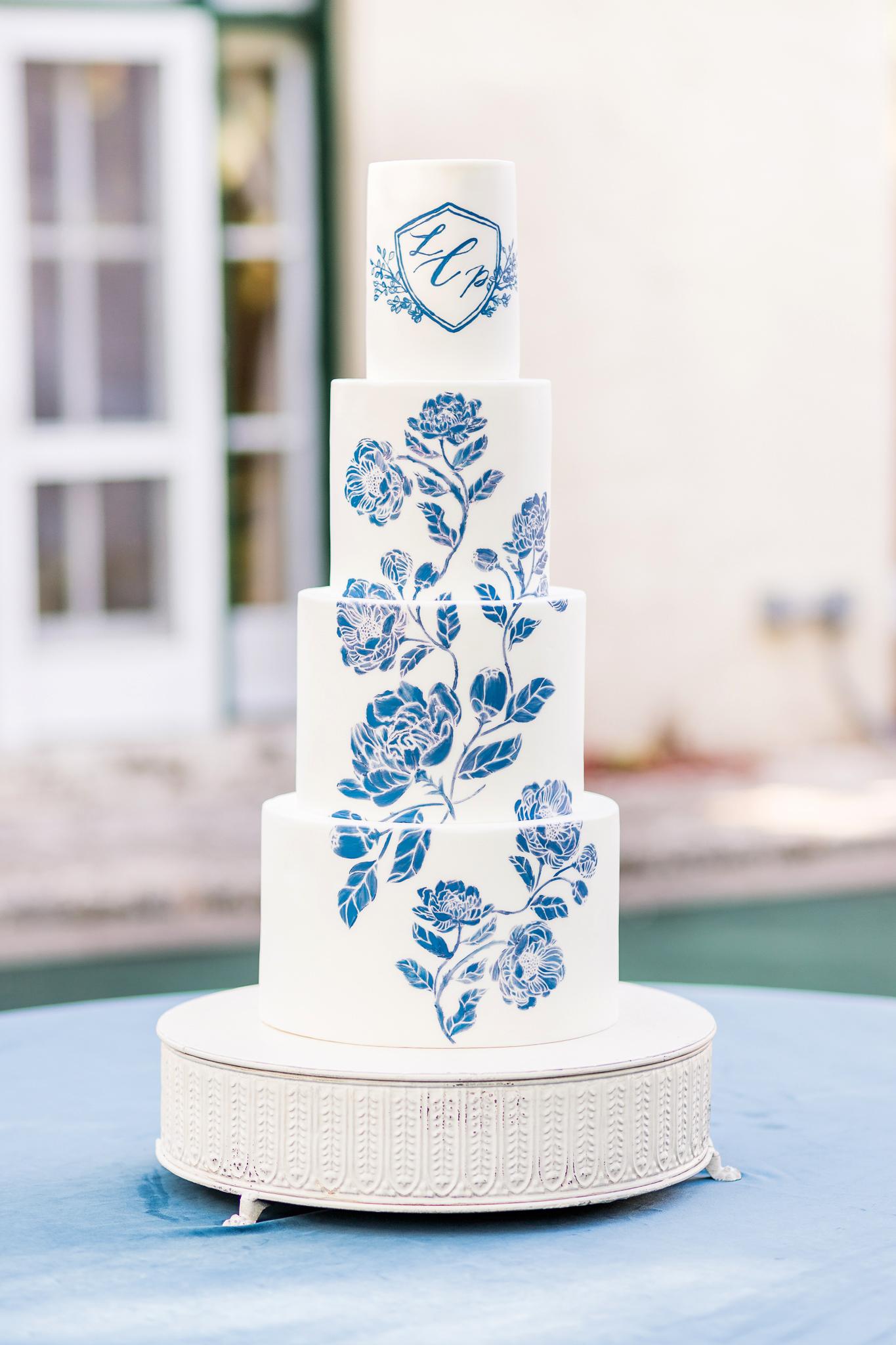 monogram wedding cake kiste photography starfish cottage