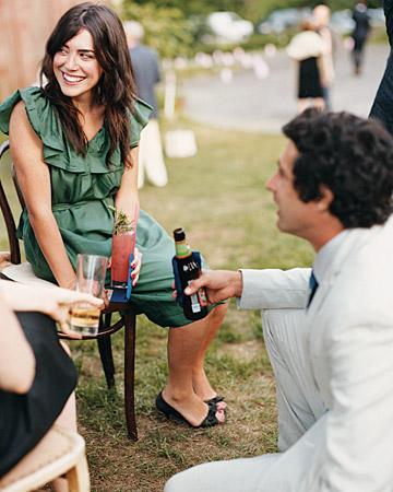 mwa103350_spr08_guests_beer.jpg