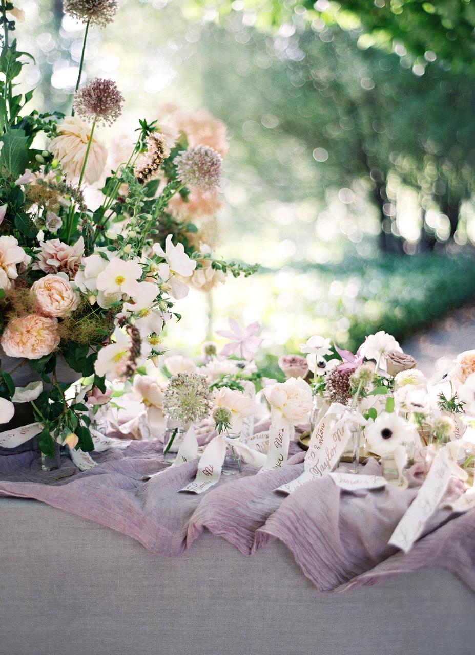 plant wedding favors mini vases flowers
