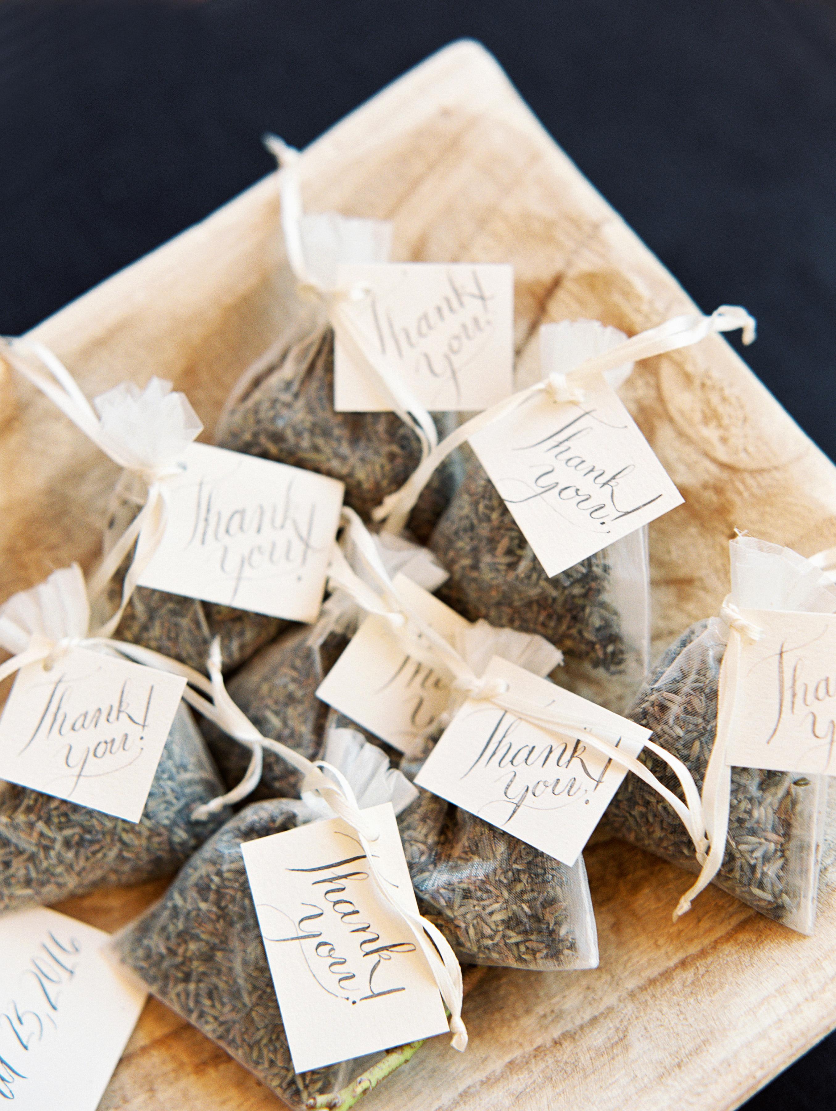 plant wedding favors lavender sachet