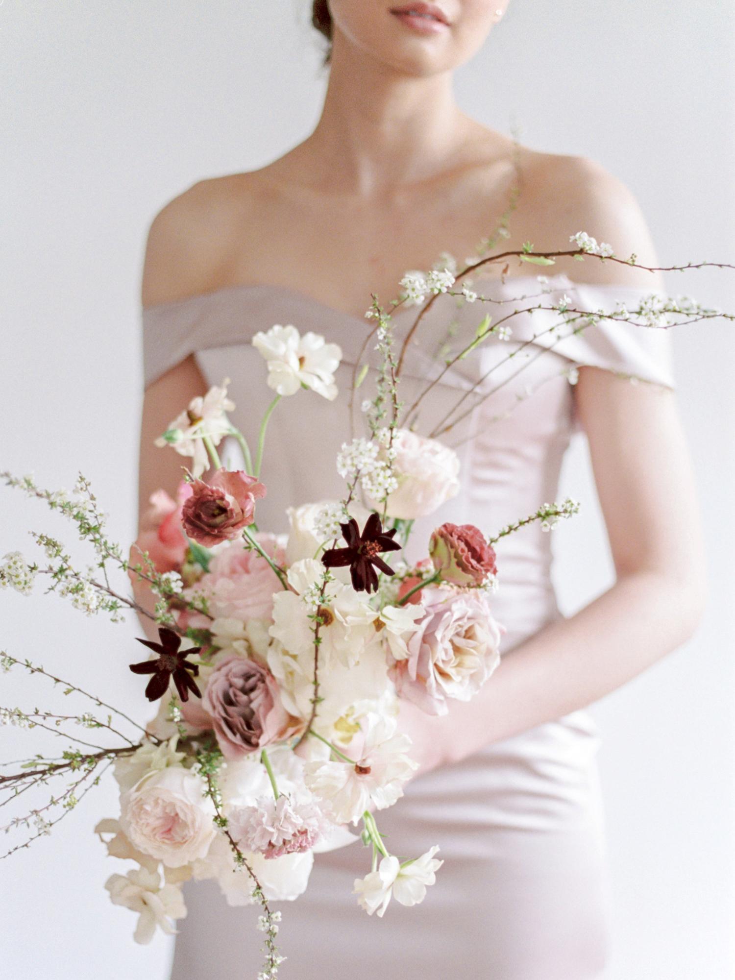 modern wedding bouquet s shape