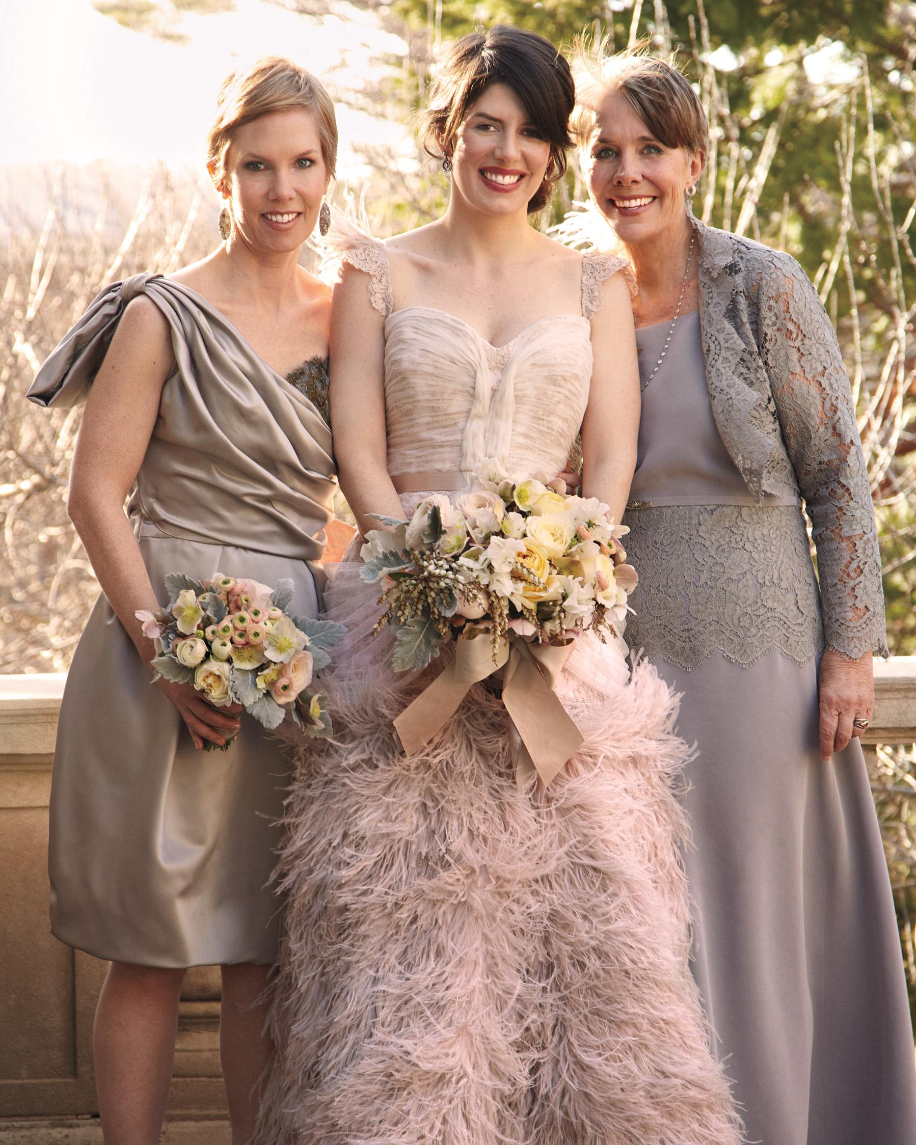 bride-family-0811mwd107282.jpg