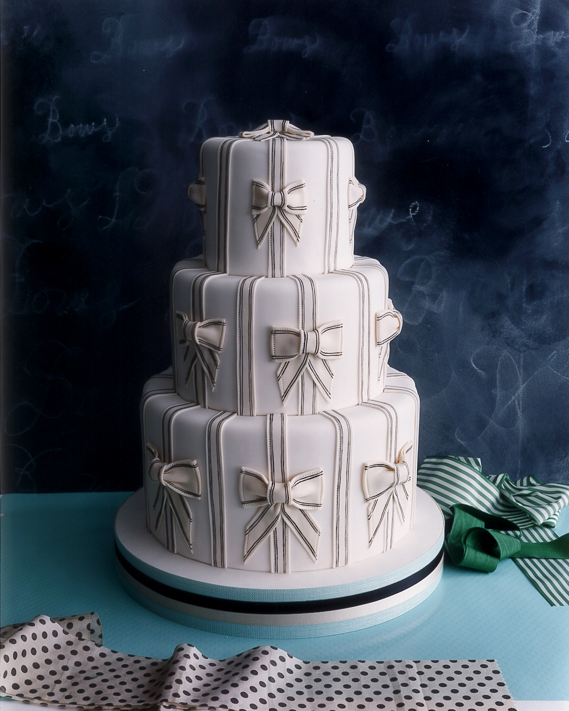 weddings-wa101750-bowcake.jpg