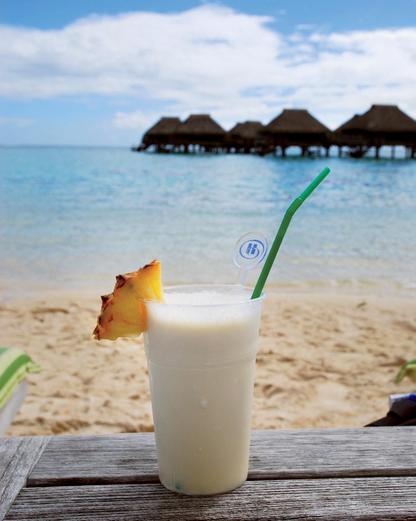 travel-drink-ms108051.jpg