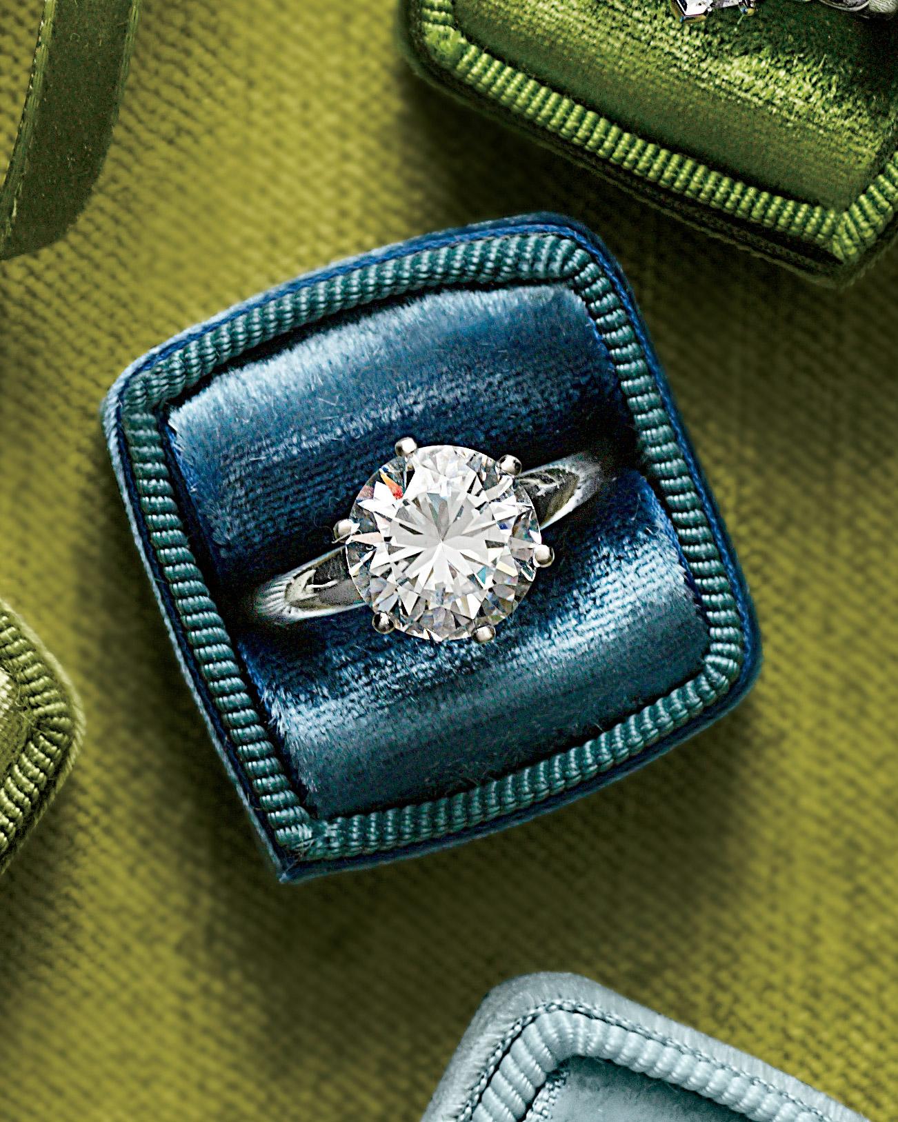 rings-11-mwd107940.jpg