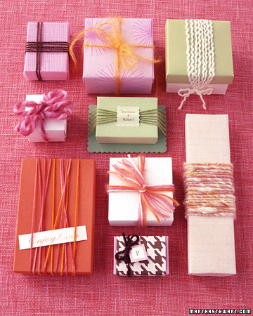 Yarn-Wrapped Favors
