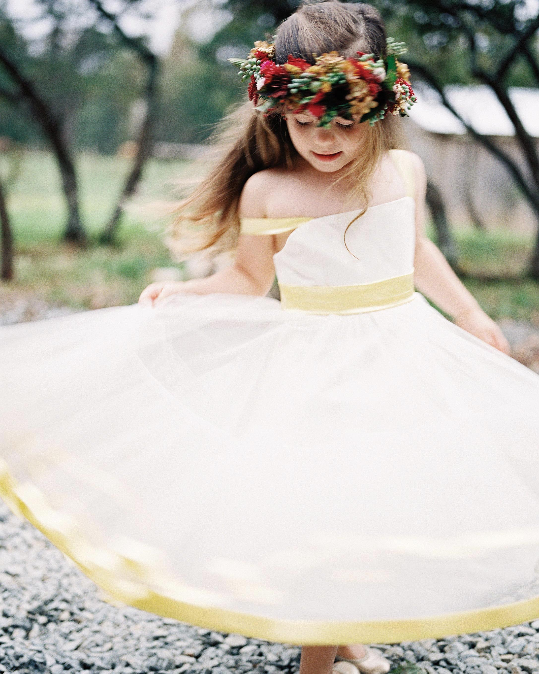 24 Yellow Flower Girl Dresses That Are Perfect for Any Season