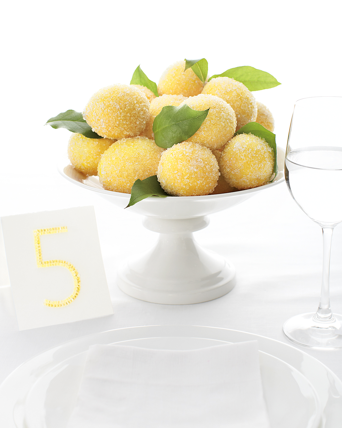 lemon-centerpiece-mwd108262.jpg