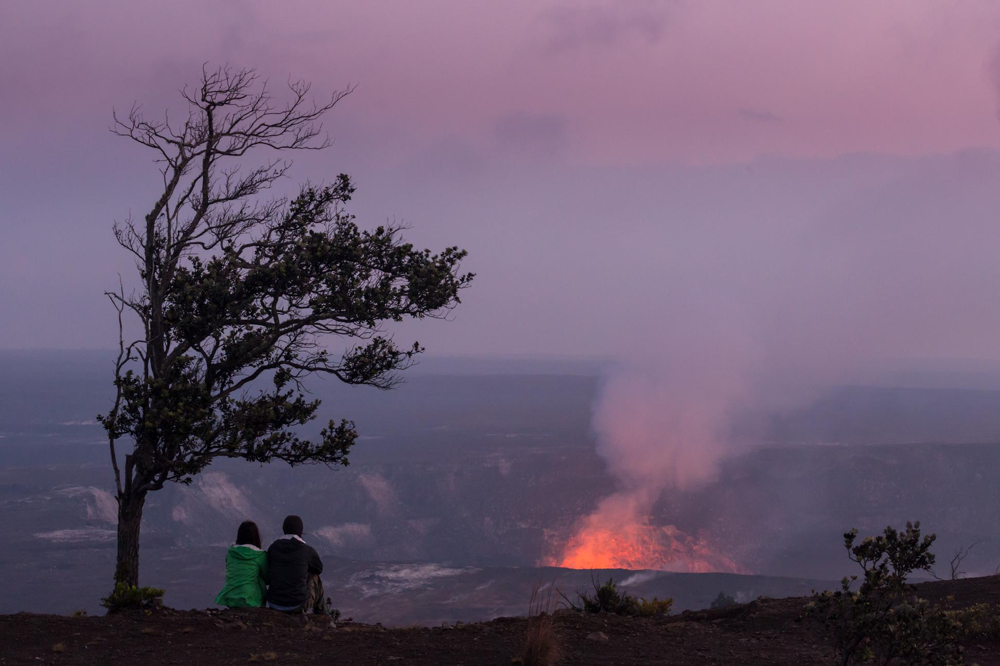 honeymooners guide hawaii tor johnson kilauea volcano 0218
