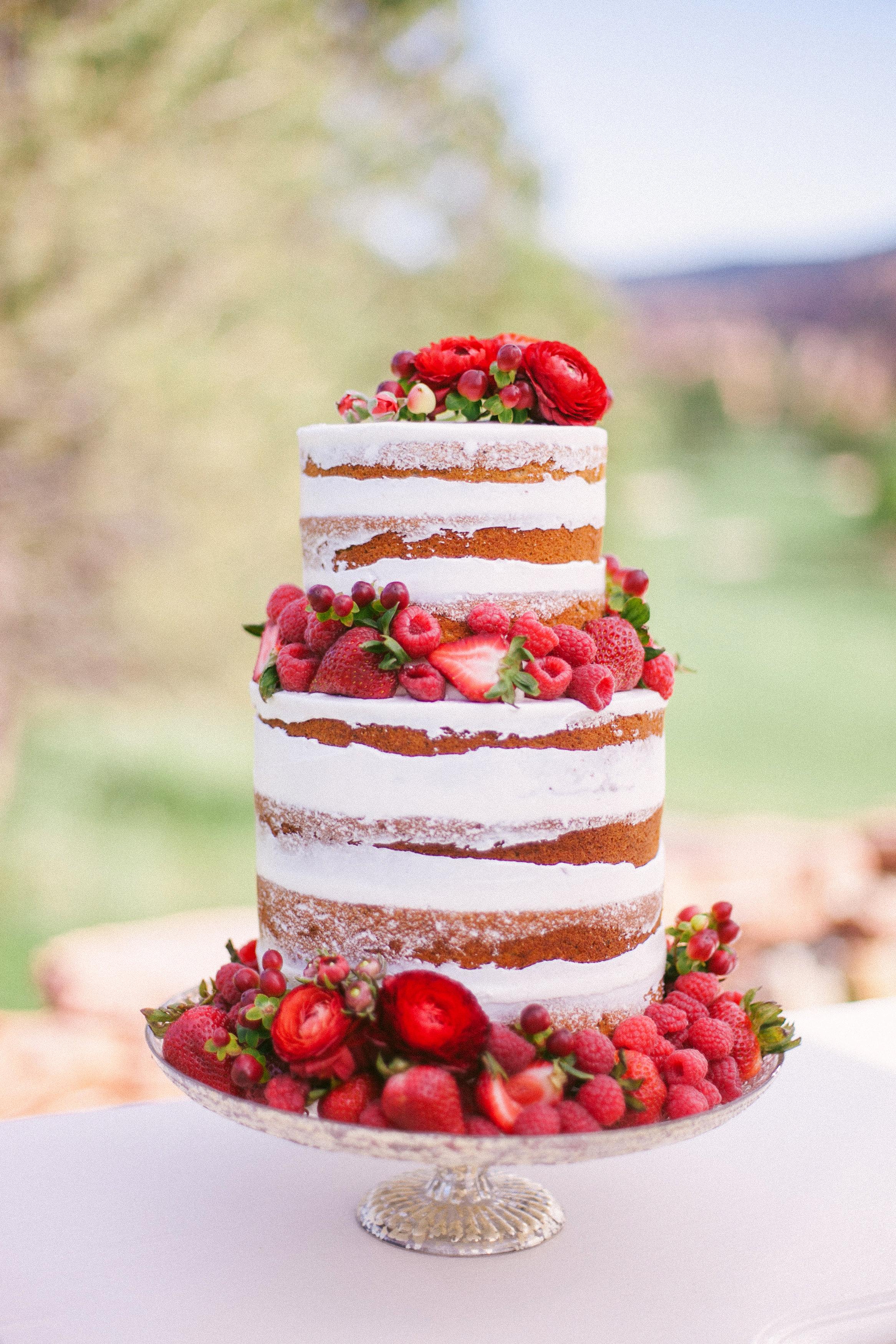 berry wedding ideas sara lynn strawberry cake