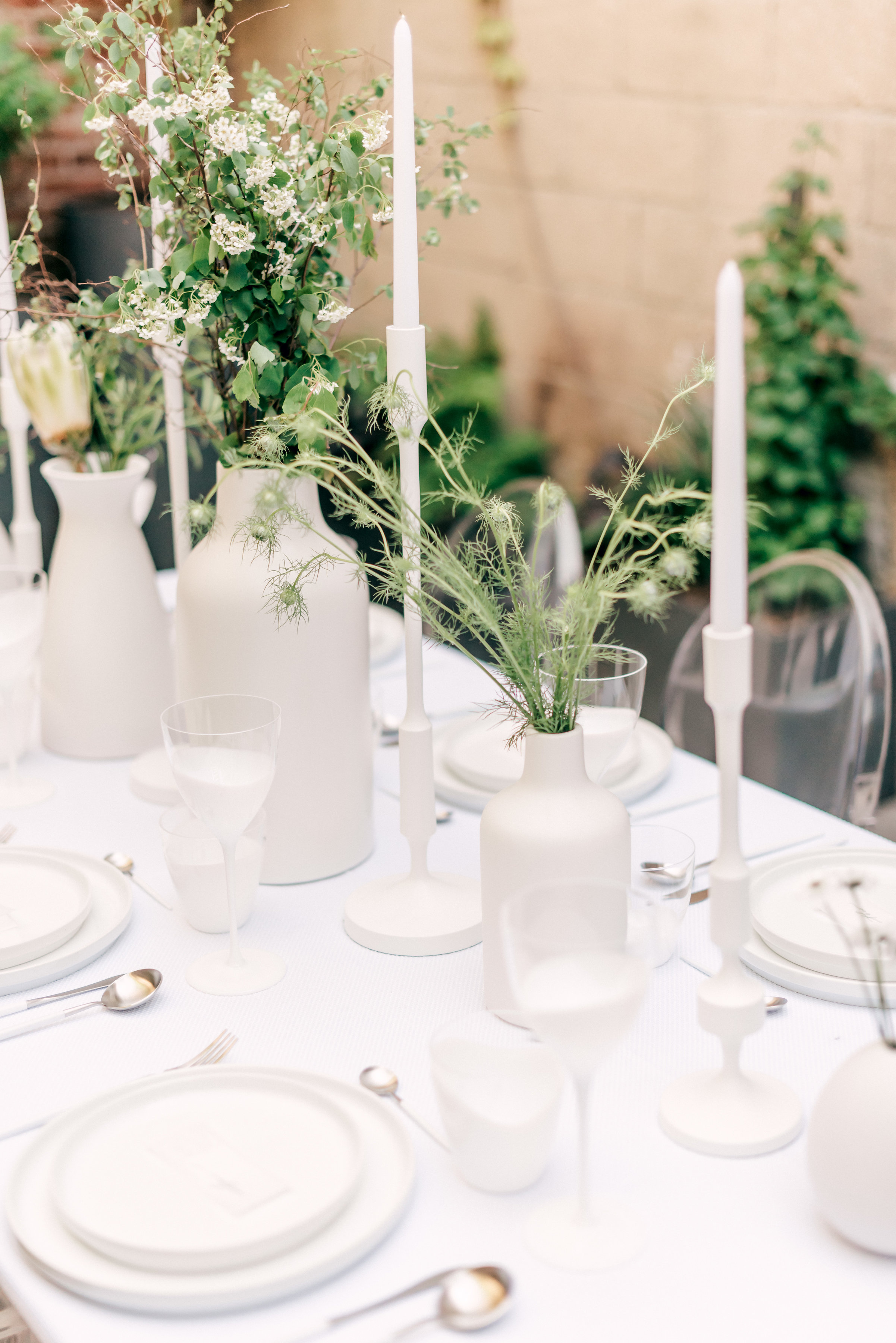 modern wedding candle centerpiece