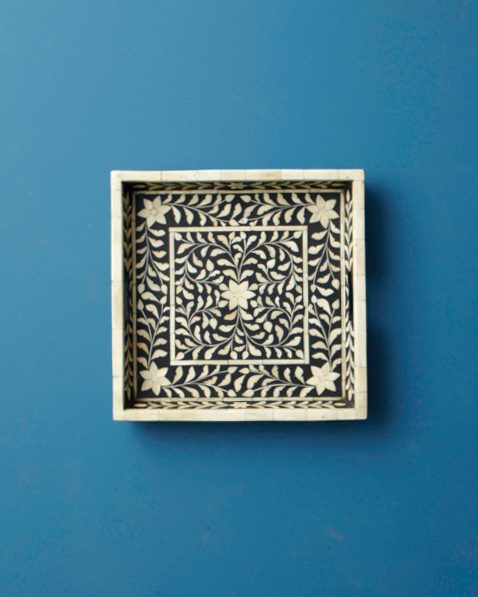 registry-wisteria-tray-001-wd108979.jpg