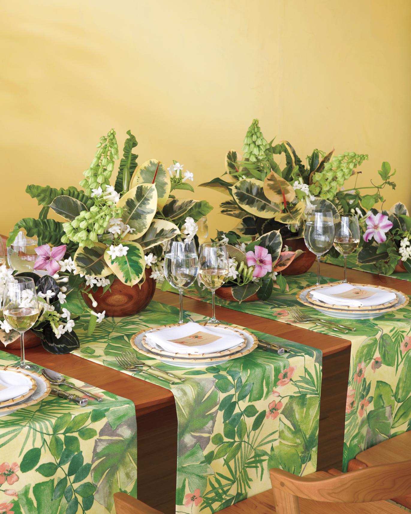 fabric-flowers-tropicalc2-md108763.jpg