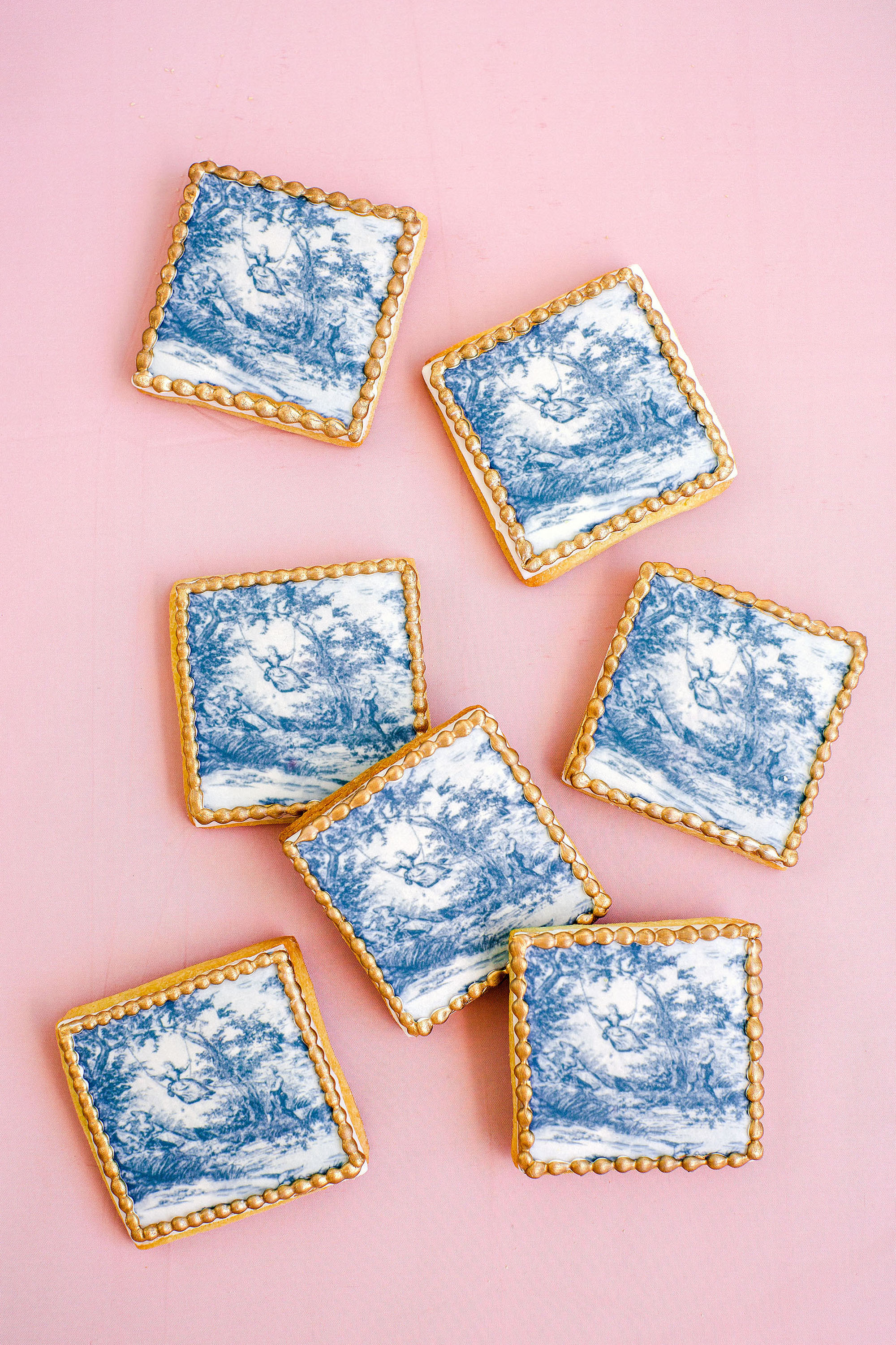 Trending Now: Dutch Delft and Chinoiserie-Inspired Wedding Décor