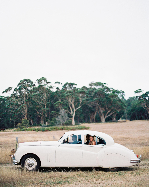 jemma-michael-wedding-car-002594006-s112110-0815.jpg