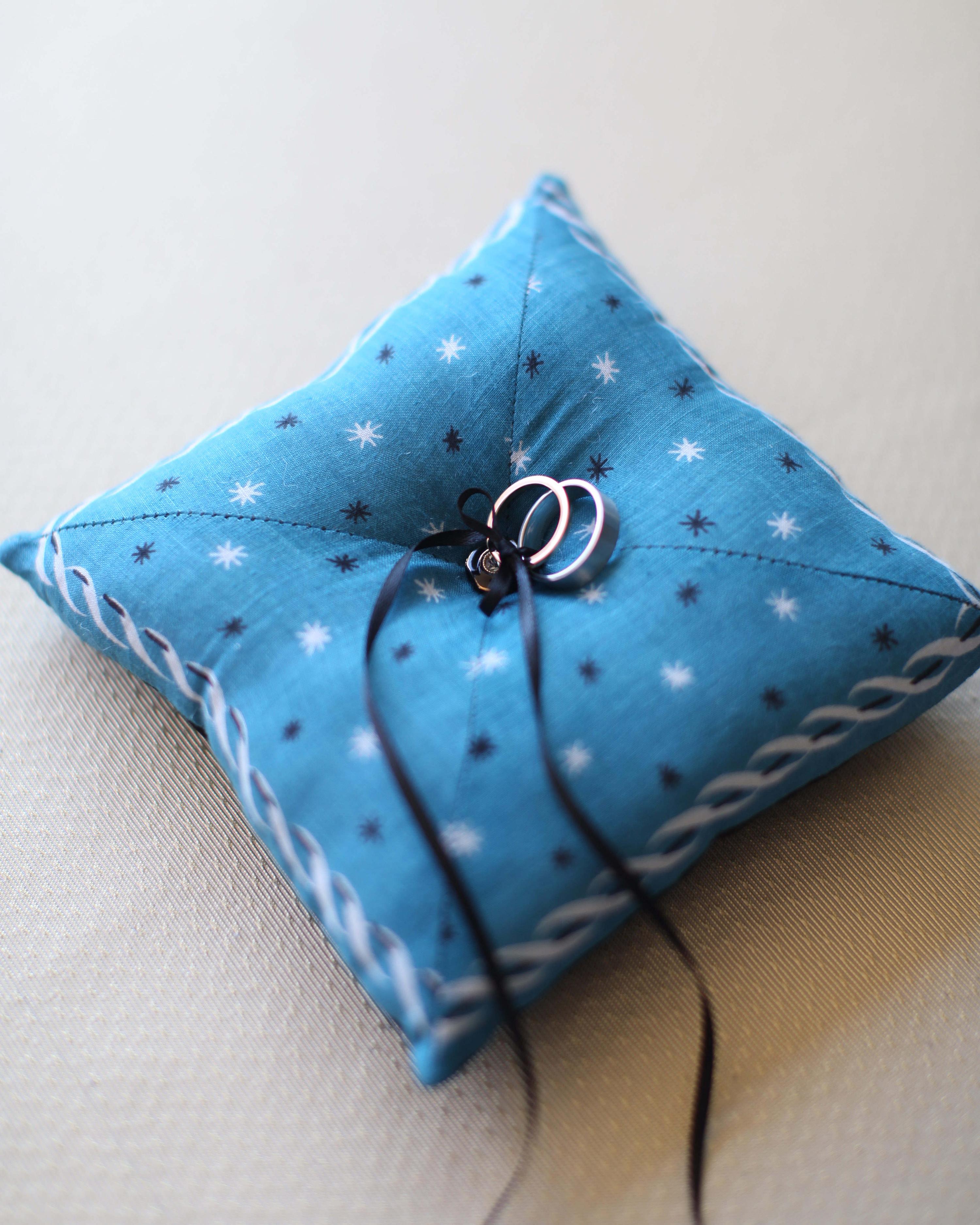 ring-pillow-002-wd109359.jpg