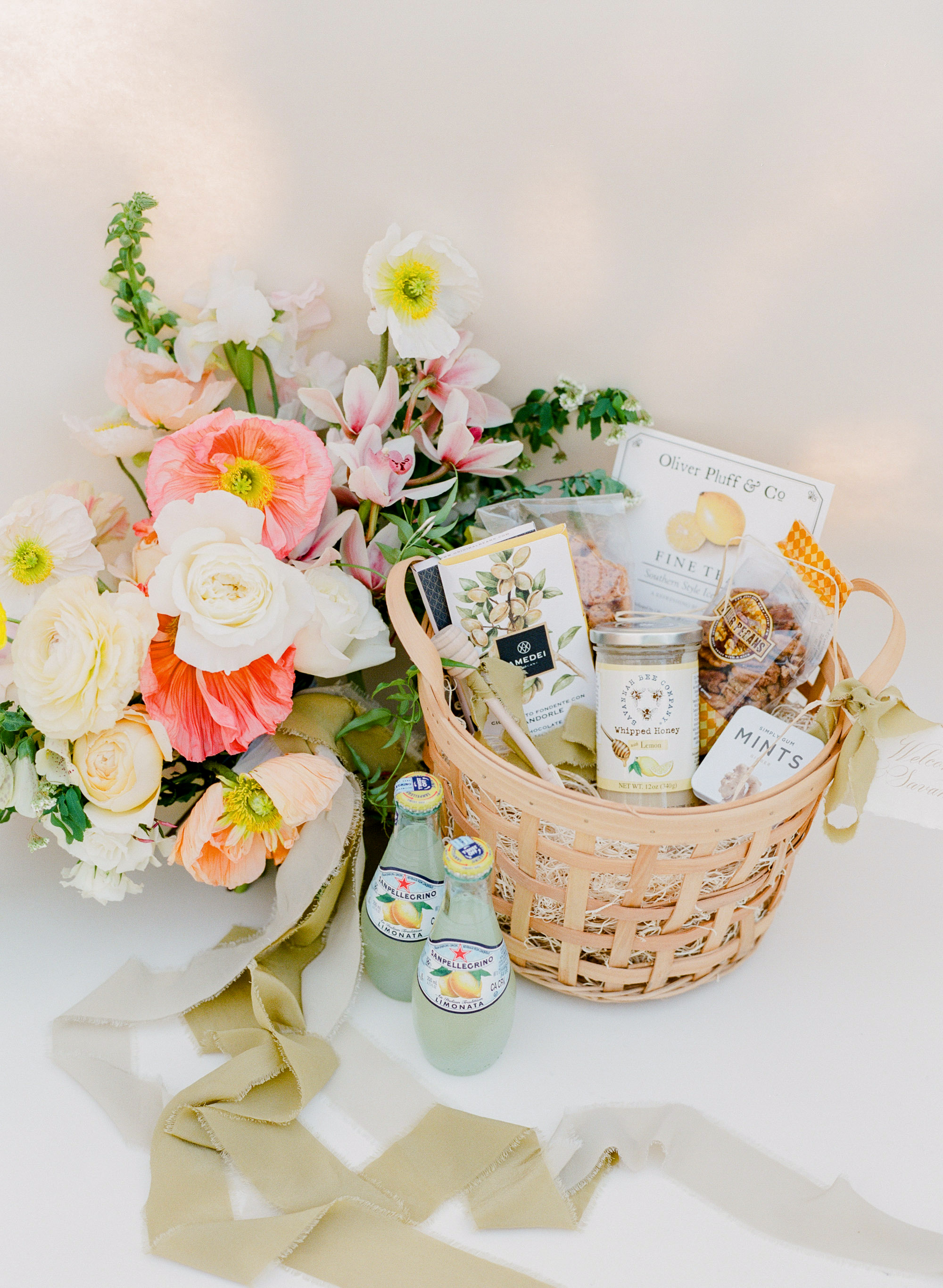 welcome basket happy bloom asignaturewelcome