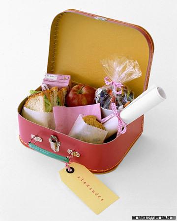 a100406_win04_lunchbox.jpg