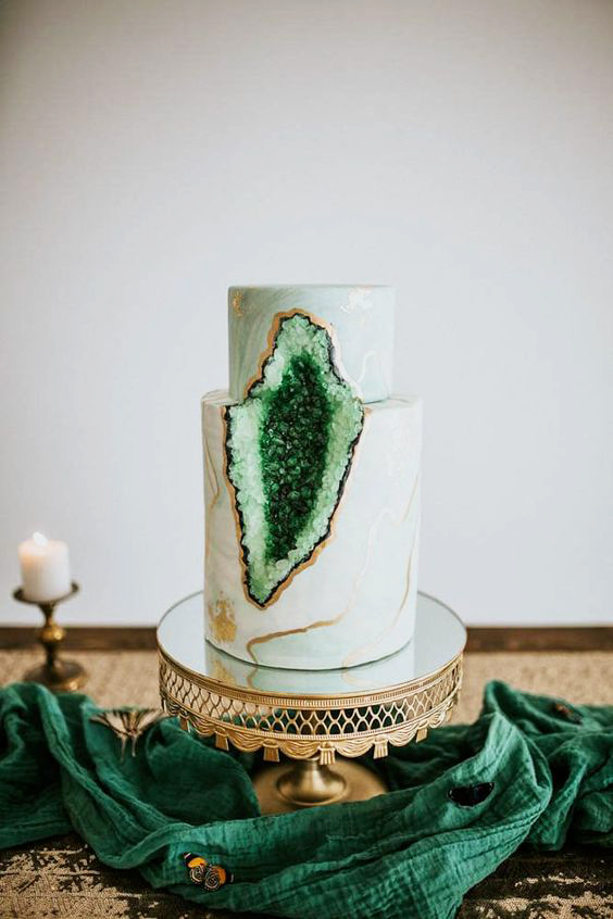 20 Beautiful Ways to Add a Pop of Green to Your Wedding