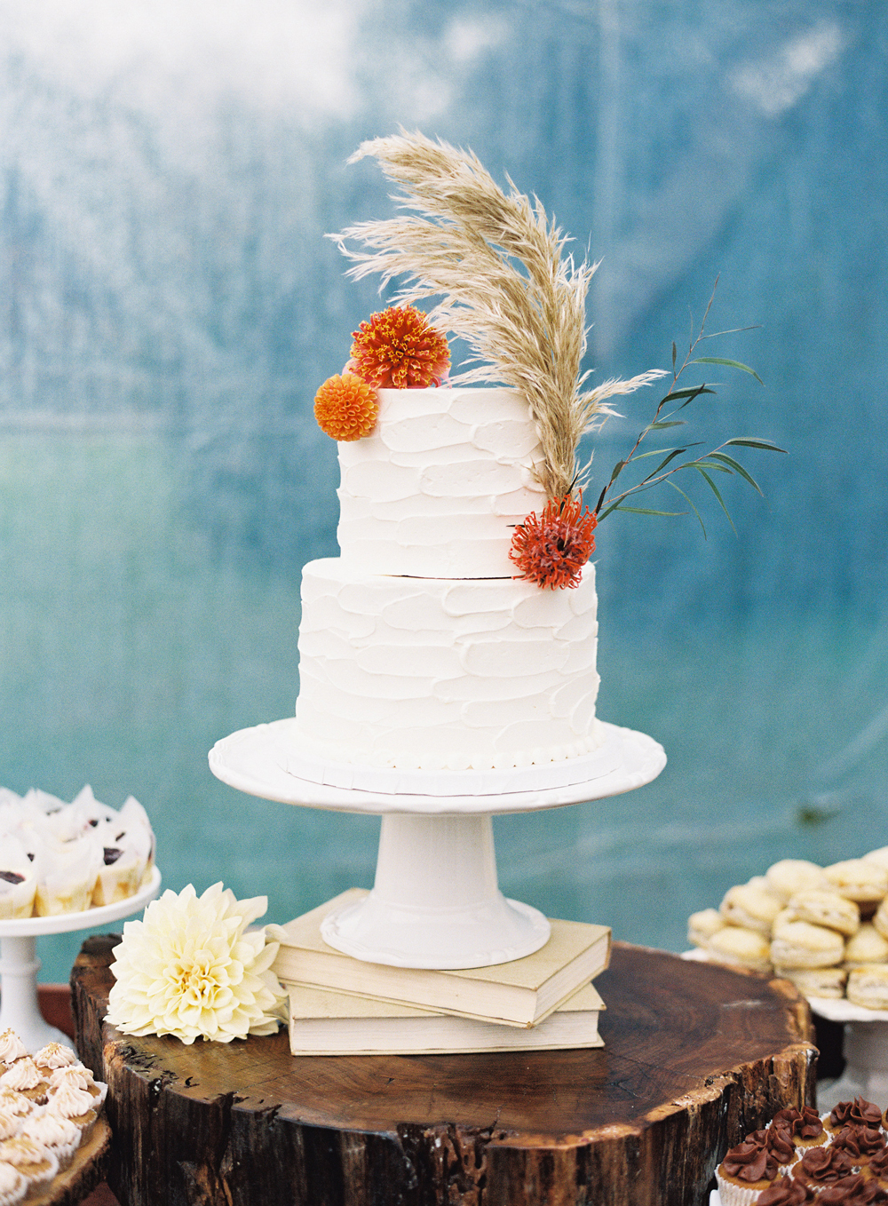 buttercream wedding cakes anagram photo