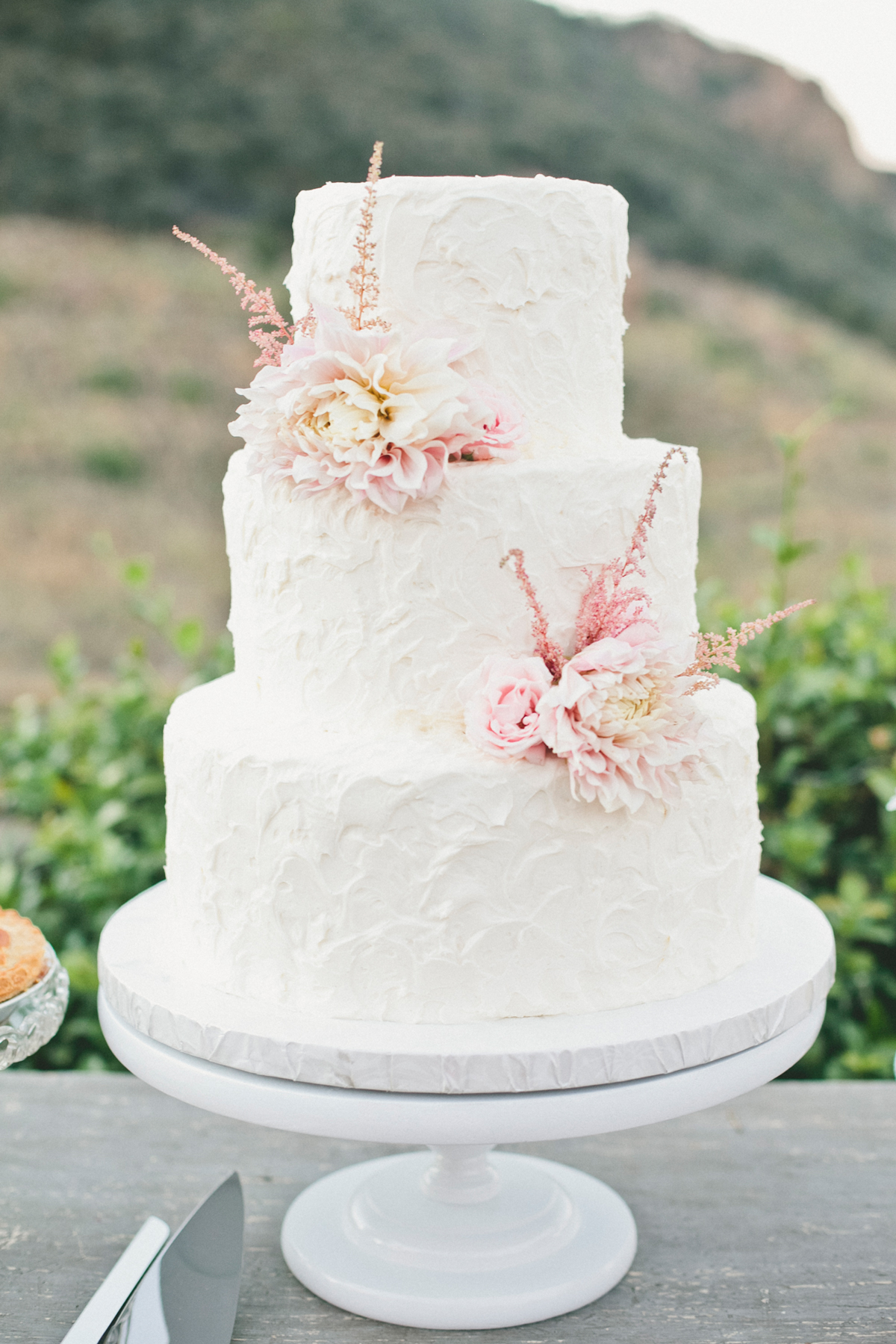 buttercream wedding cakes art is for lovers