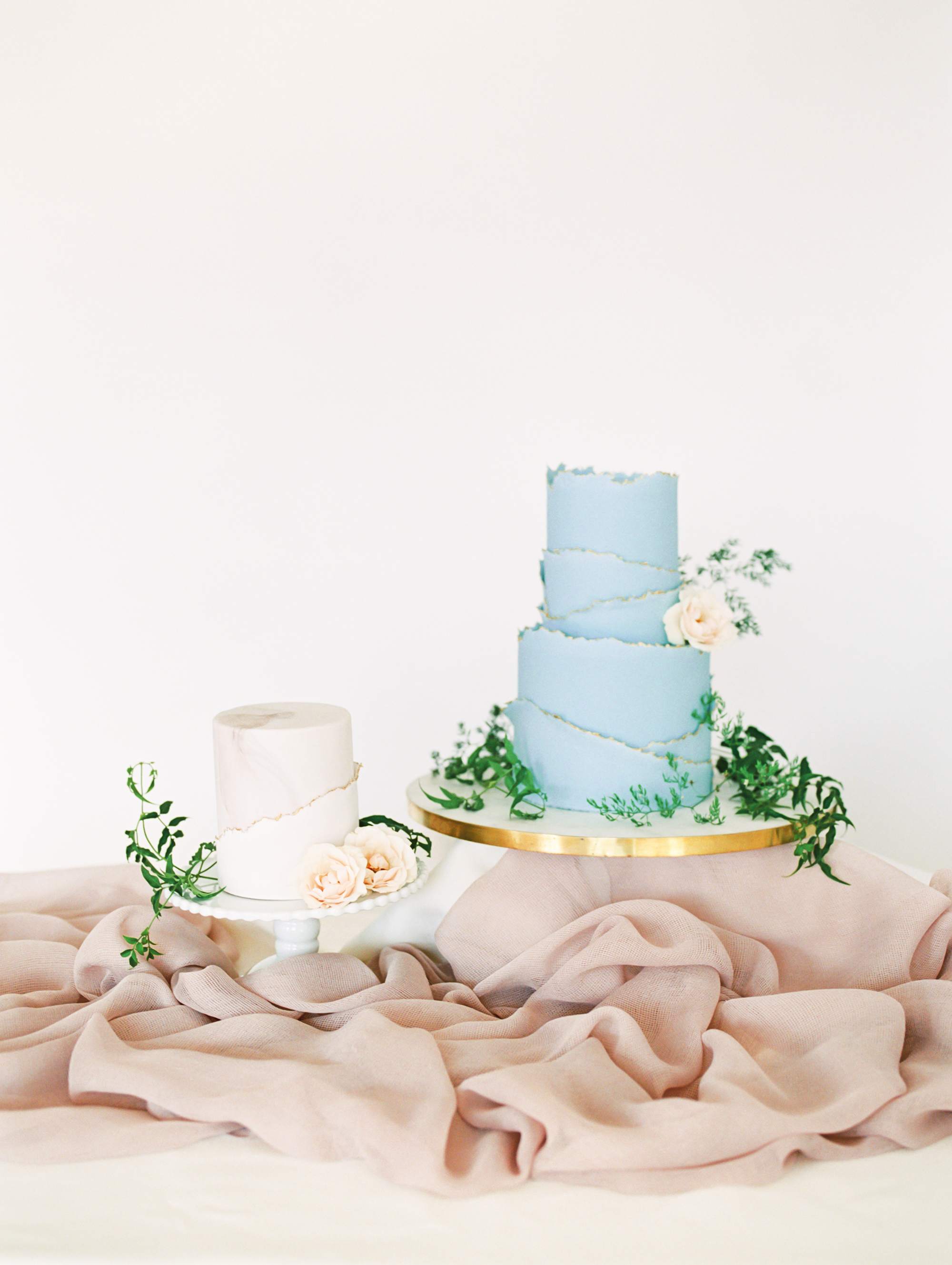A Sweet Guide to Choosing a Frosting for Your Wedding Cake