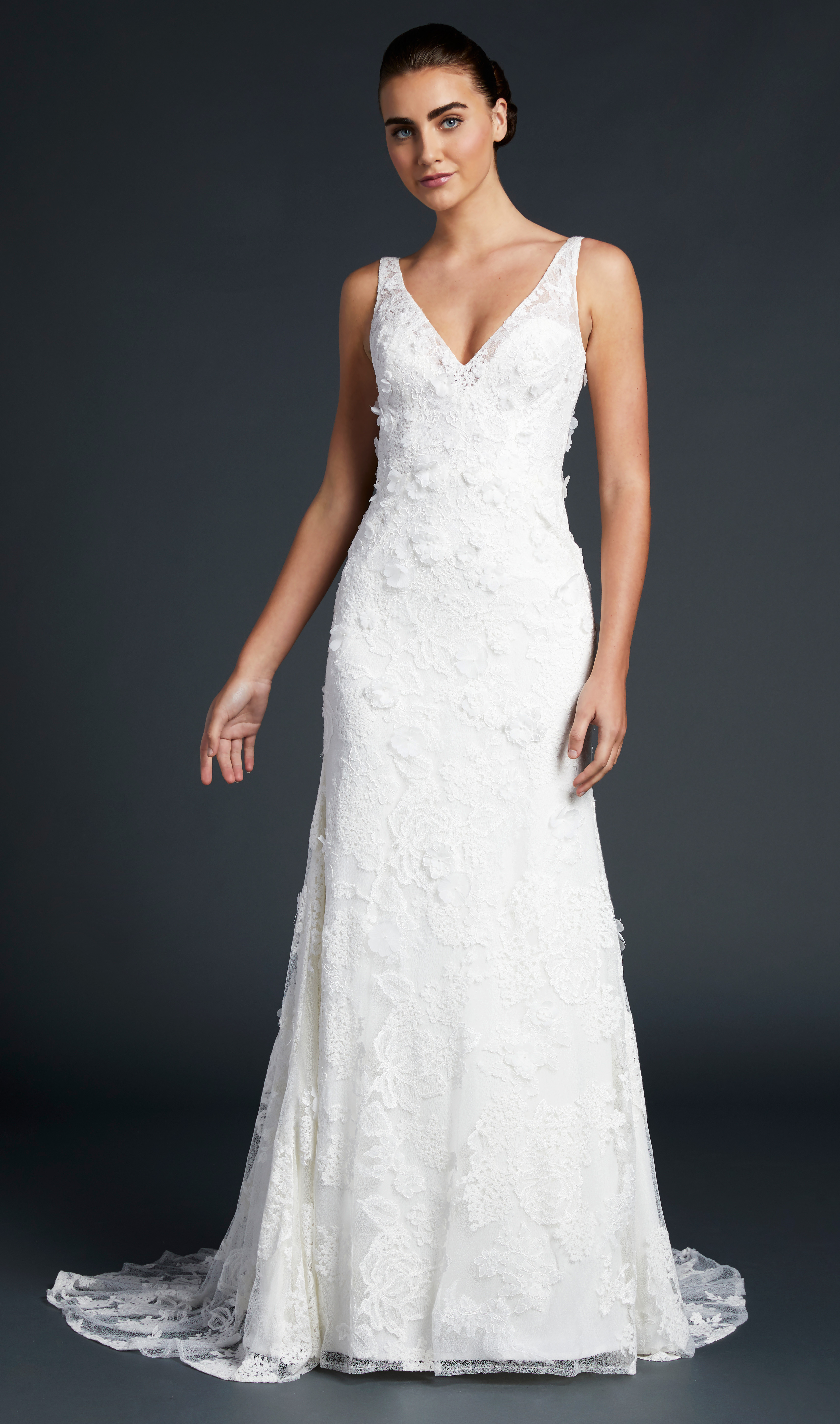 blue willow wedding dress v-neck sheath floral applique