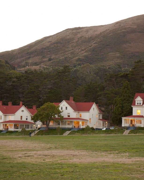 meaghan-conrad-houses-0606-d109593.jpg