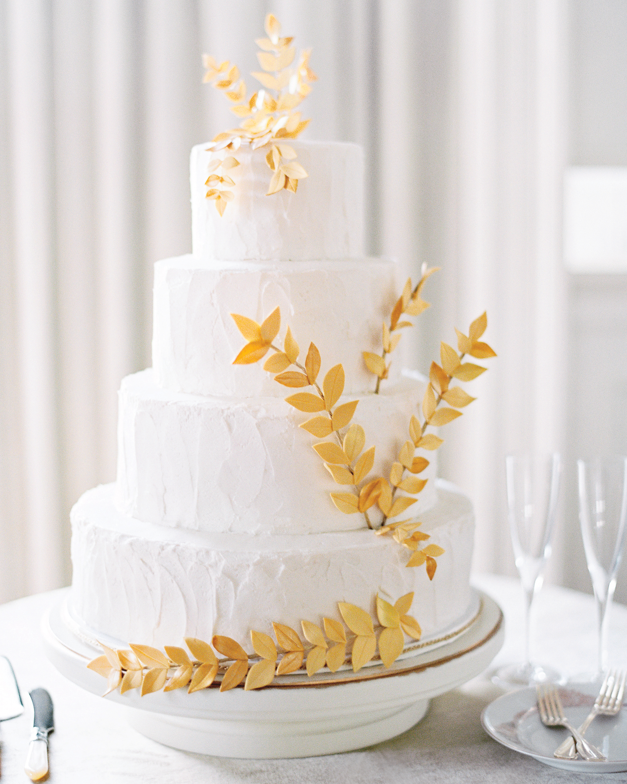 weddingcake-gold-leaf-004786-r-1-016-mwds110148.jpg