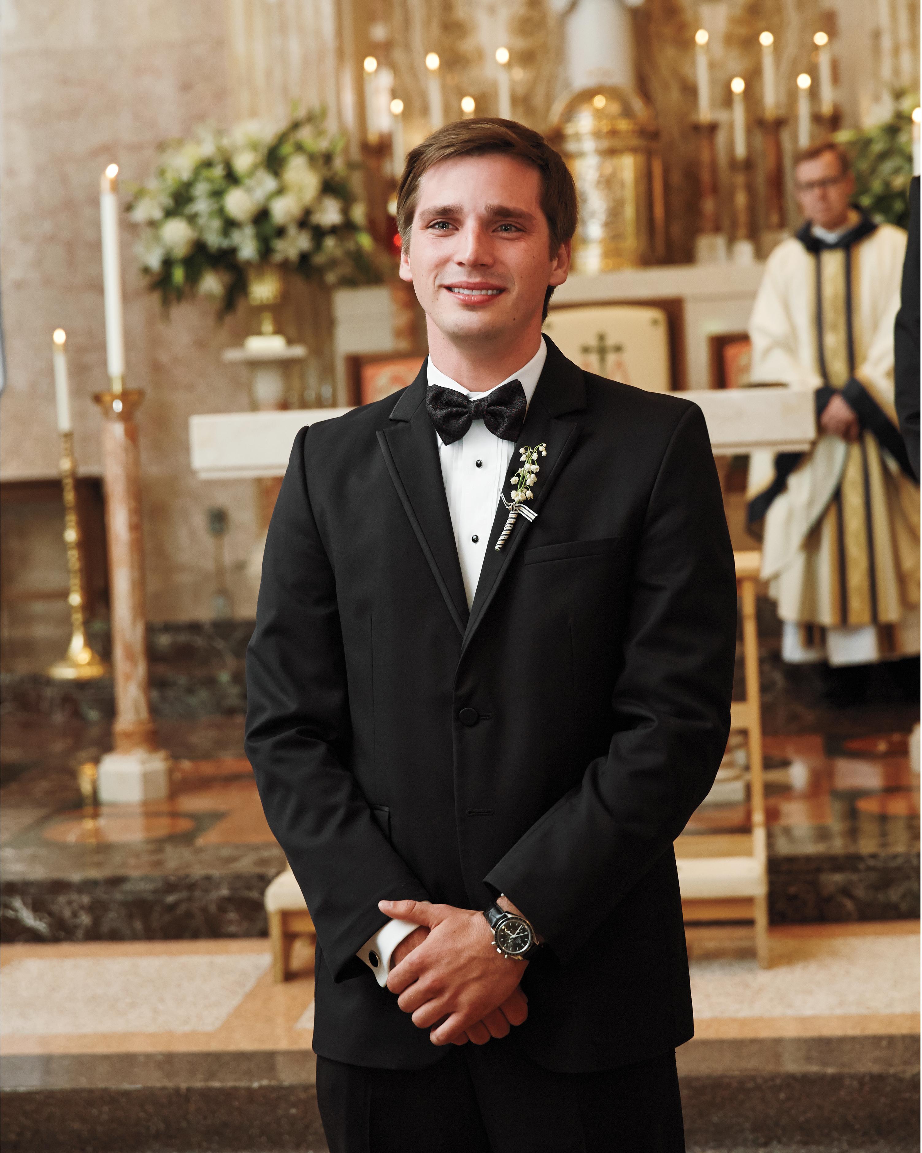 groom-altar-msw-05-24-13-0816-md110142.jpg
