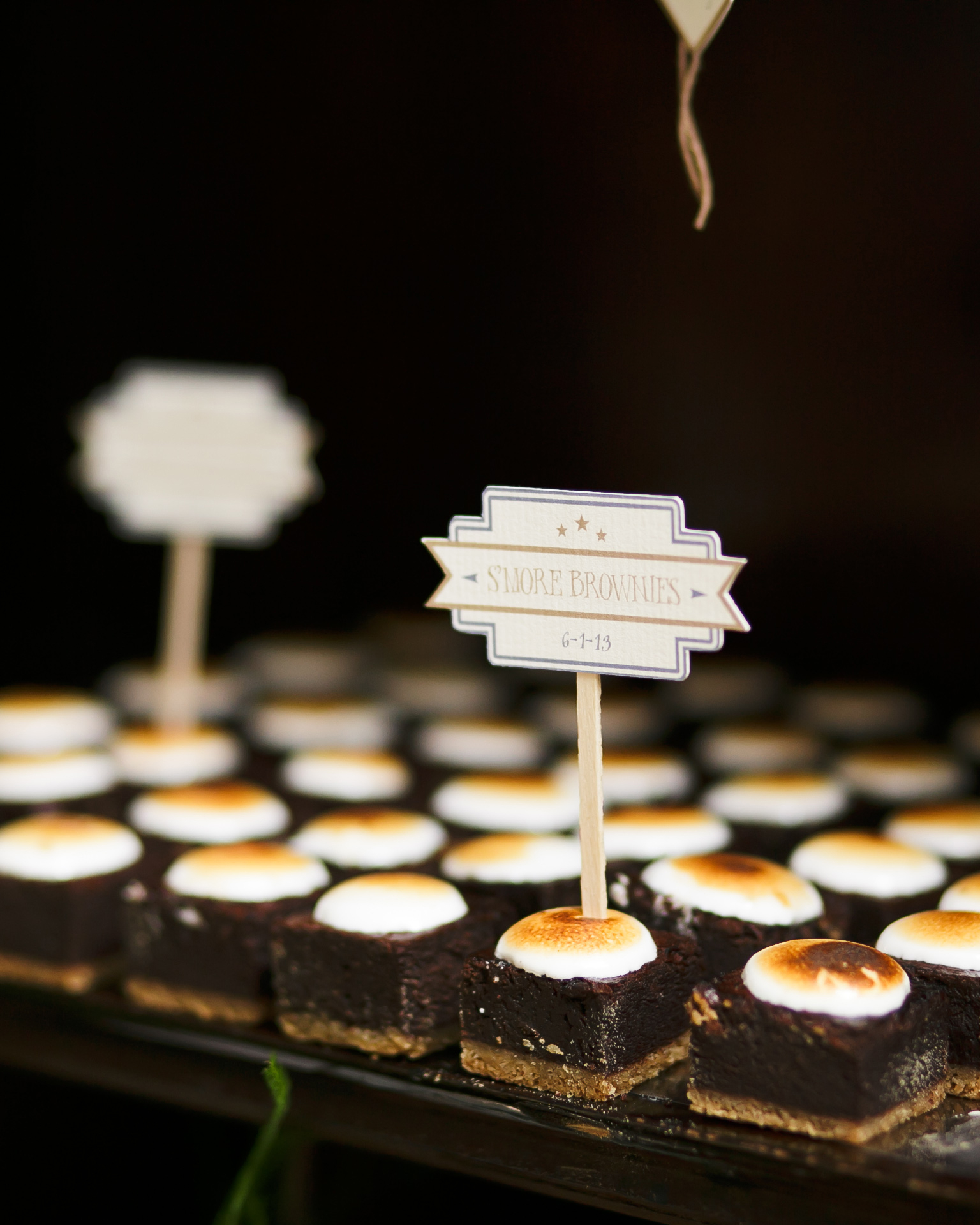 kelly-marie-dave-wedding-dessert2-0414.jpg
