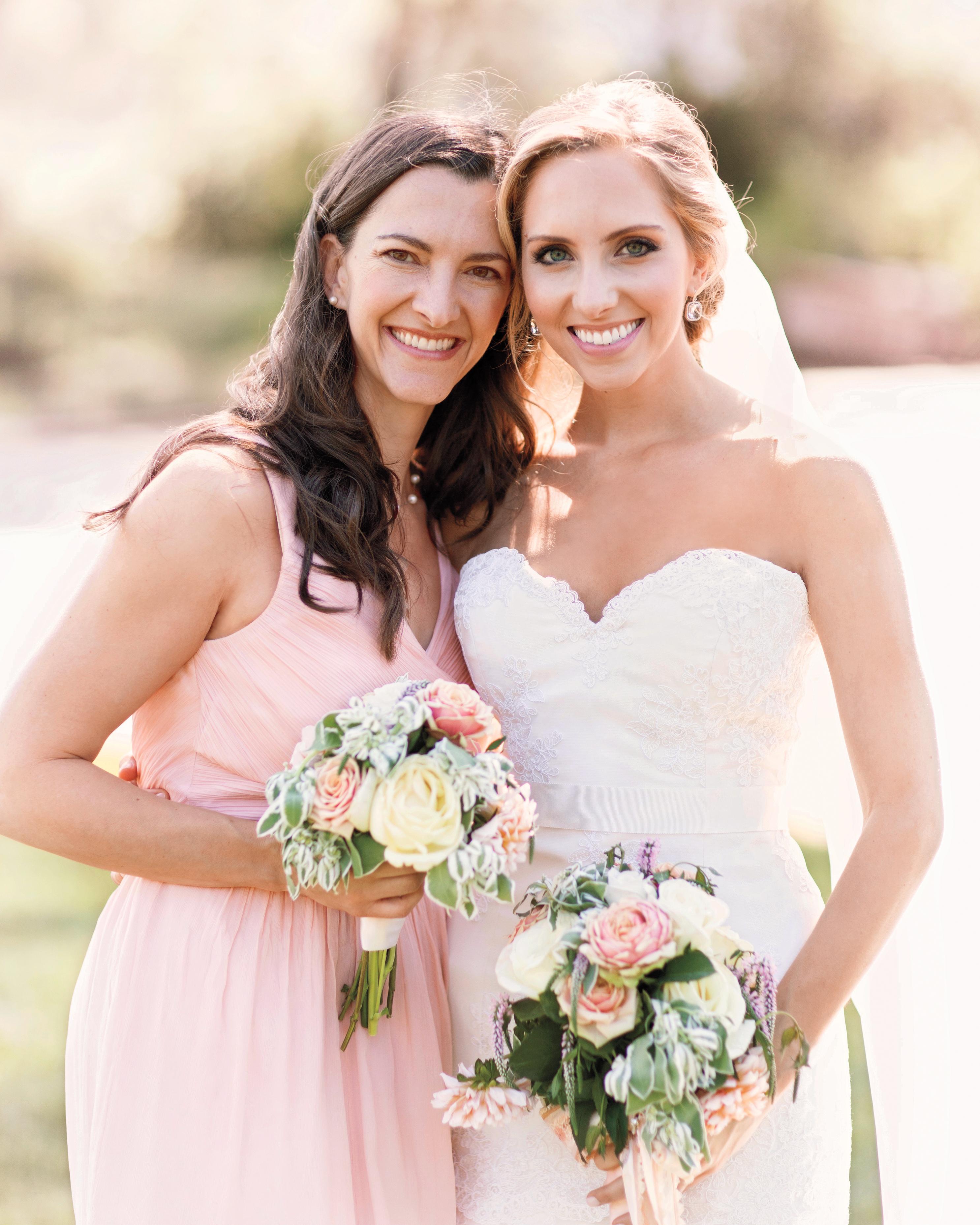 bride-bridesmaid-sarah-smith-glass-jar-photography-mwd110175.jpg