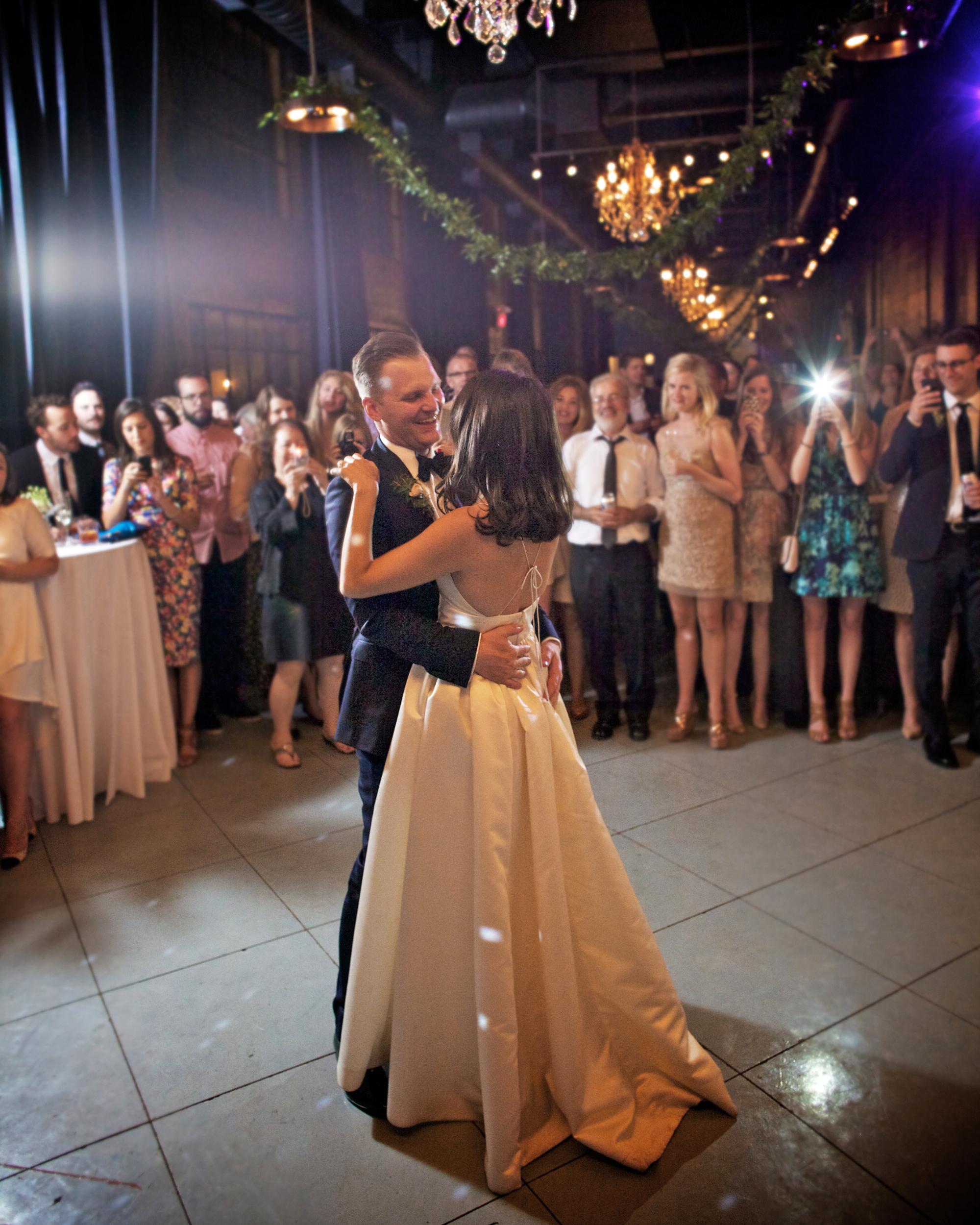 emily-brett-wedding-firstdance-0414.jpg